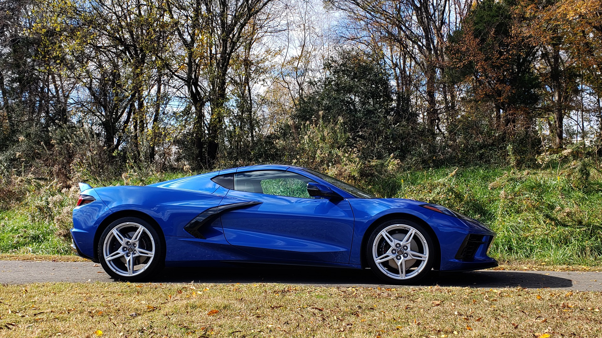 Used 2020 Chevrolet C8 CORVETTE STINGRAY 2LT COUPE / NAV / HUD / BOSE / GT2 SEATS / FRONT LIFT / REARVIEW for sale $98,999 at Formula Imports in Charlotte NC 28227 13
