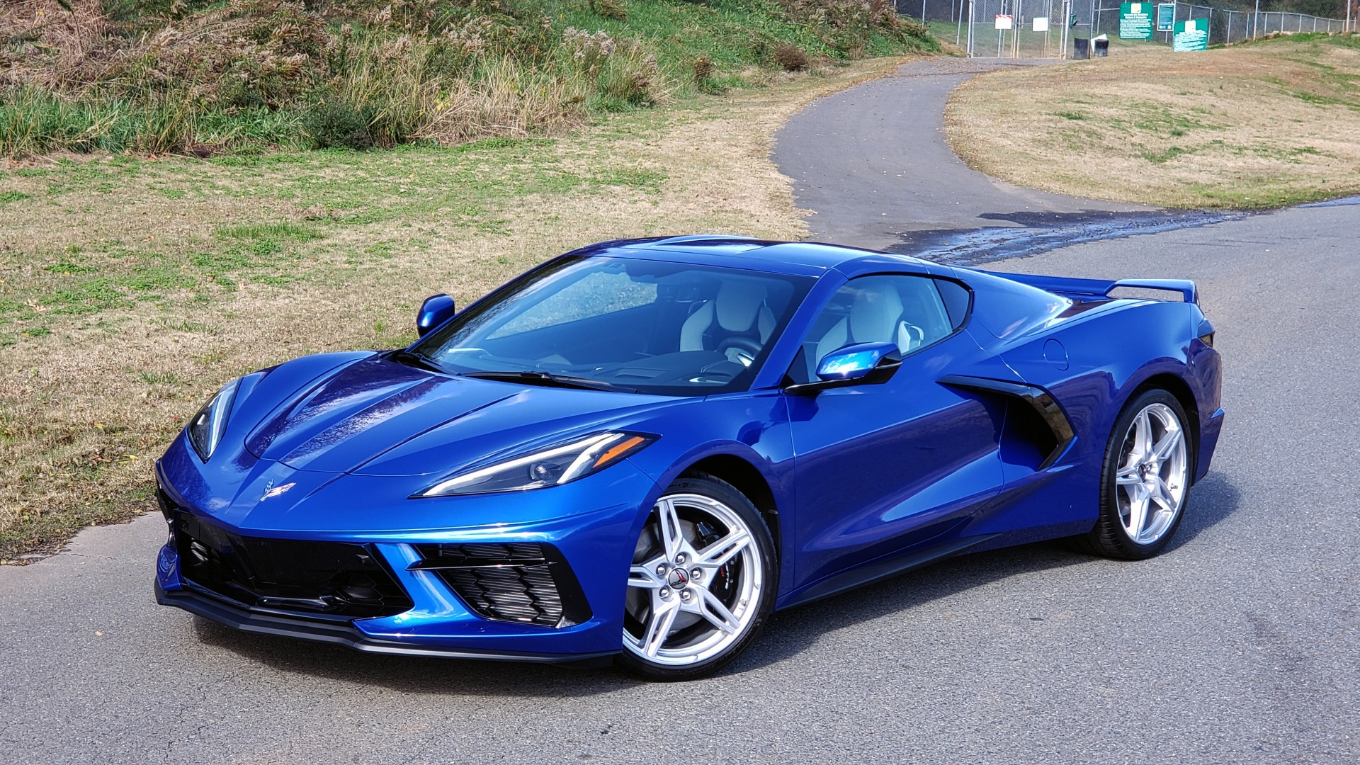 Used 2020 Chevrolet C8 CORVETTE STINGRAY 2LT COUPE / NAV / HUD / BOSE / GT2 SEATS / FRONT LIFT / REARVIEW for sale $98,999 at Formula Imports in Charlotte NC 28227 4