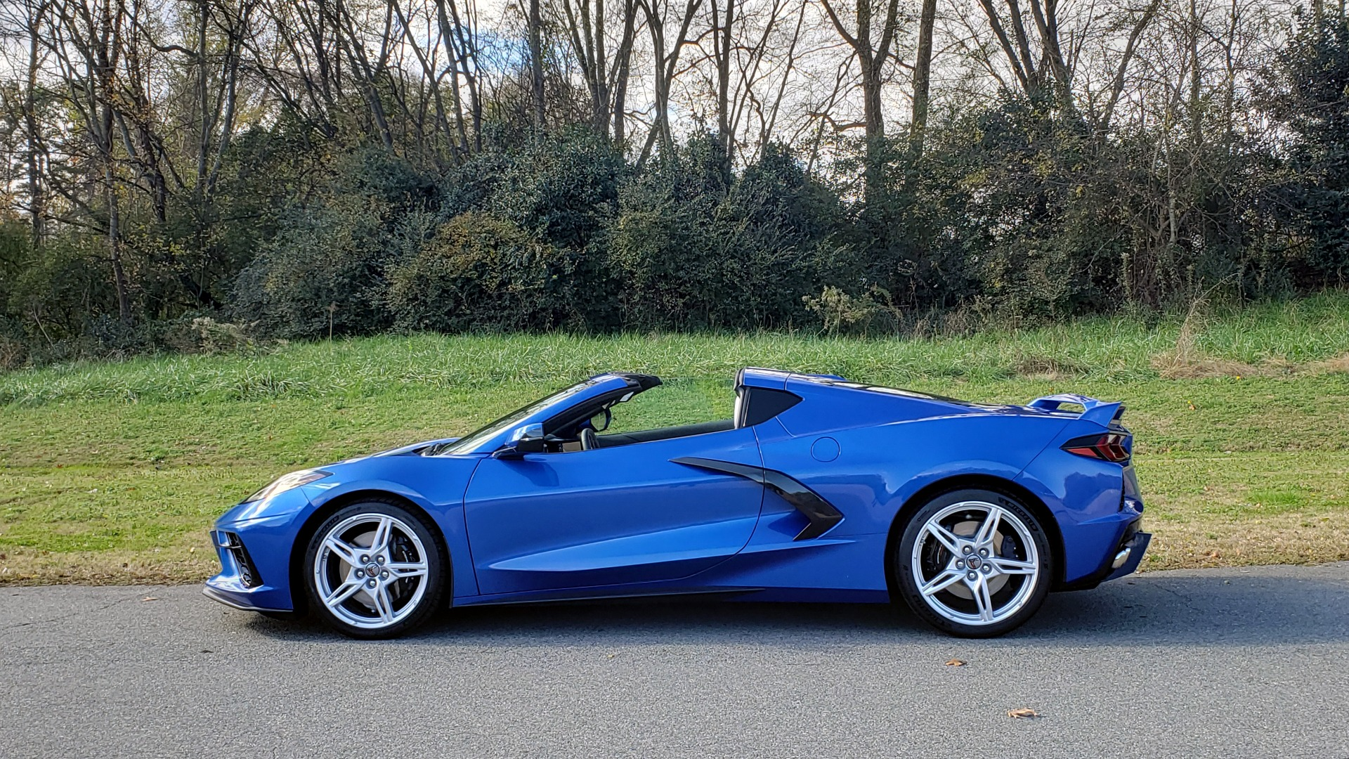 Used 2020 Chevrolet C8 CORVETTE STINGRAY 2LT COUPE / NAV / HUD / BOSE / GT2 SEATS / FRONT LIFT / REARVIEW for sale $98,999 at Formula Imports in Charlotte NC 28227 6