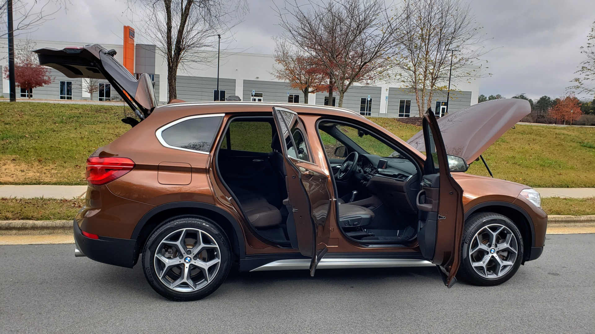 Used 2017 BMW X1 XDRIVE28I / PREM / TECH / DRVR ASST / COLD WTHR / REARVIEW for sale Sold at Formula Imports in Charlotte NC 28227 10
