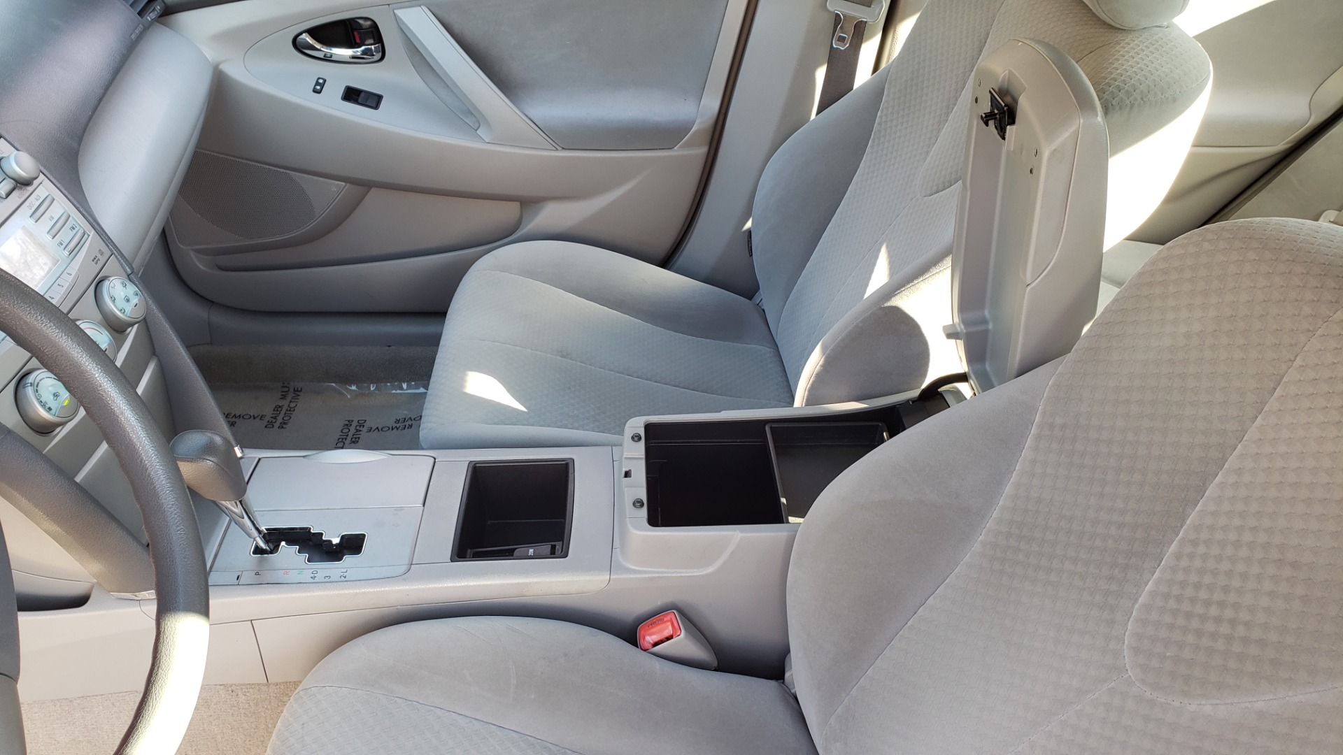 Used 2009 Toyota CAMRY LE / 2.4L SEDAN / FWD / 4-CYL / AUTO / CLOTH / CLEAN for sale Sold at Formula Imports in Charlotte NC 28227 40