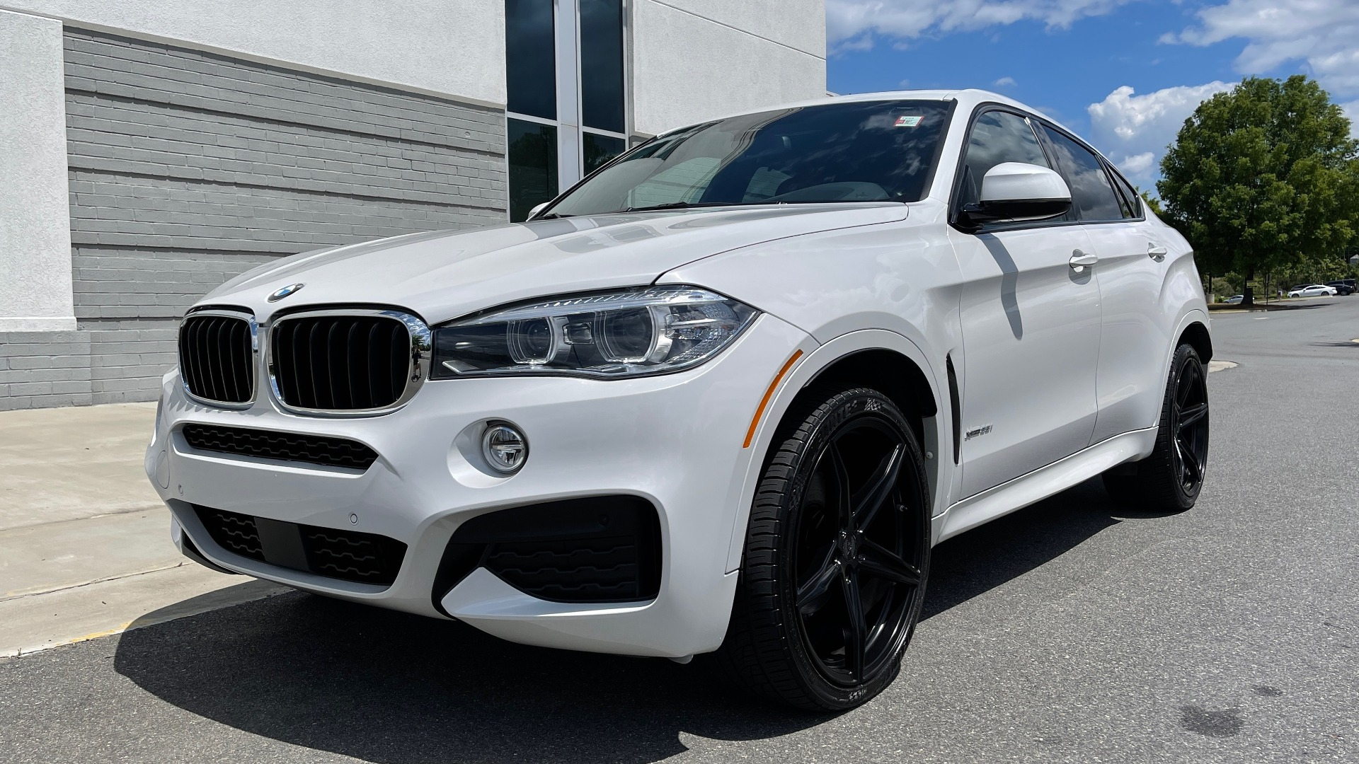 Used 2018 BMW X6 XDRIVE35I M-SPORT / NAV / DRVR ASST PLUS / ADAPT M-SUSP / REARVIEW for sale Sold at Formula Imports in Charlotte NC 28227 4