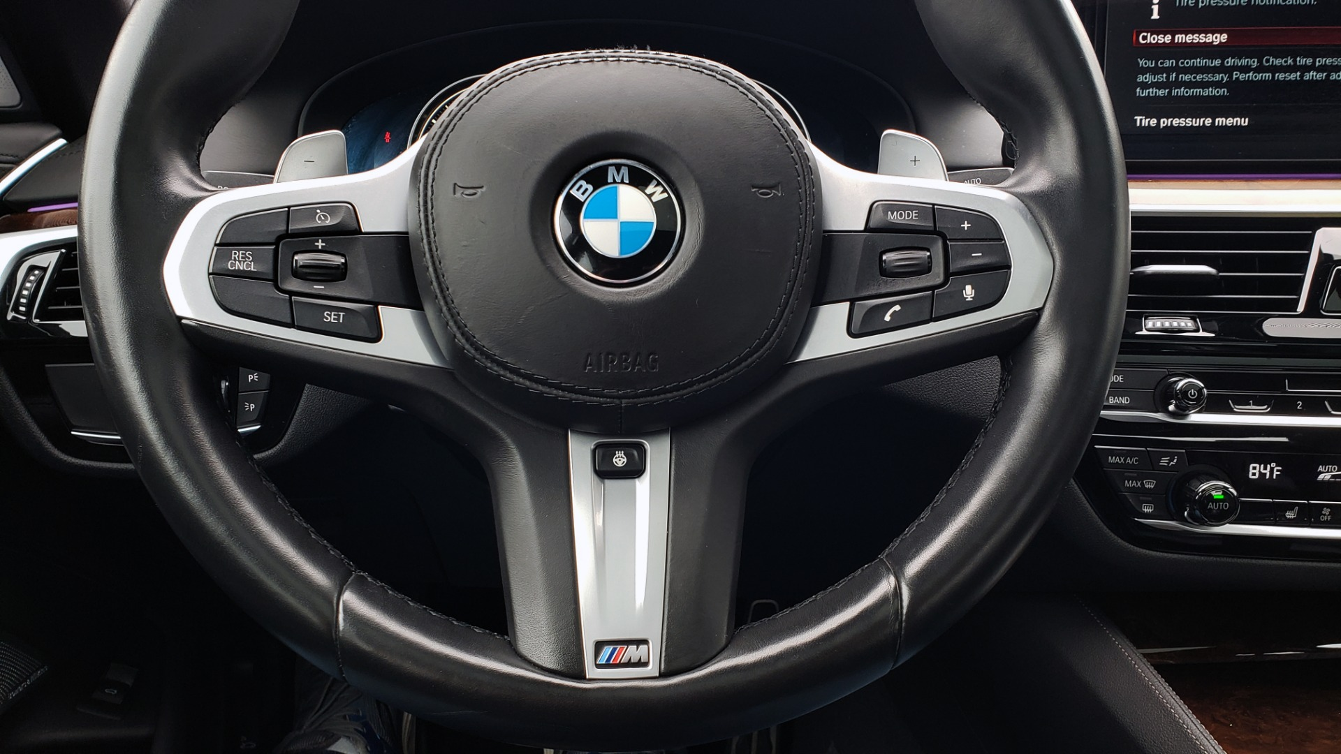 Used 2018 BMW 5 SERIES M550I XDRIVE EXEC PKG / DRVR ASST / CLD WTHR / ACTIVE DRV ASST for sale Sold at Formula Imports in Charlotte NC 28227 40
