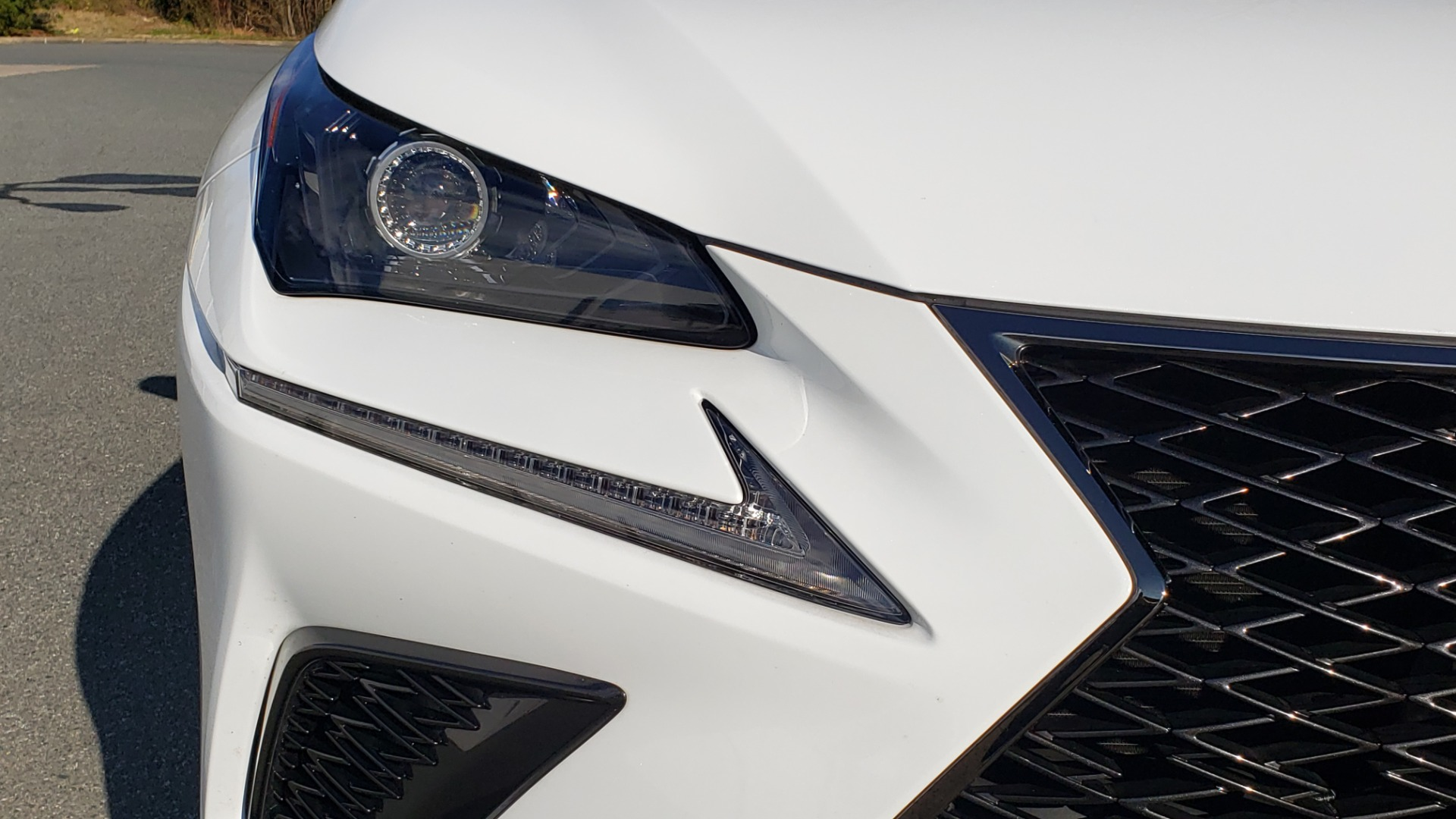Used 2019 Lexus NX 300 F-SPORT / 2.0L TURBO / LEATHER / 18IN WHEELS / REARVIEW for sale $31,195 at Formula Imports in Charlotte NC 28227 26