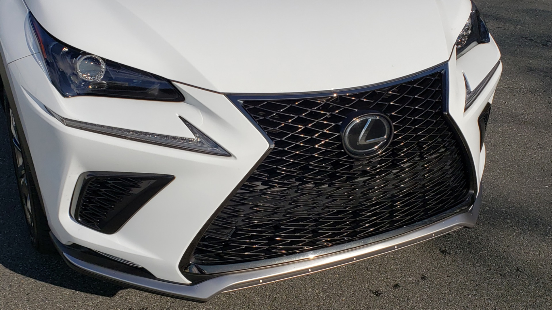 Used 2019 Lexus NX 300 F-SPORT / 2.0L TURBO / LEATHER / 18IN WHEELS / REARVIEW for sale $31,195 at Formula Imports in Charlotte NC 28227 28