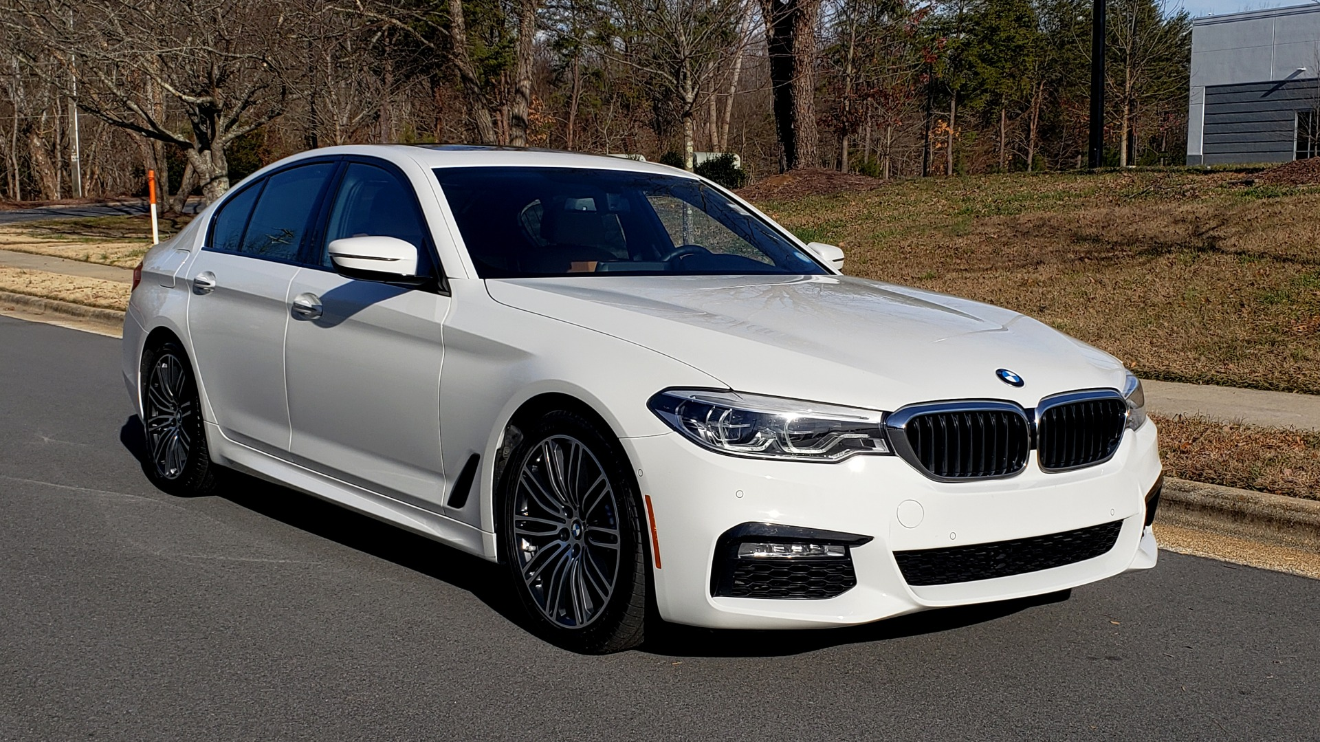 Used 2017 BMW 5 SERIES 540I PREMIUM / M-SPORT / PDC / APPLE CAR PLAY / WIFI for sale Sold at Formula Imports in Charlotte NC 28227 2