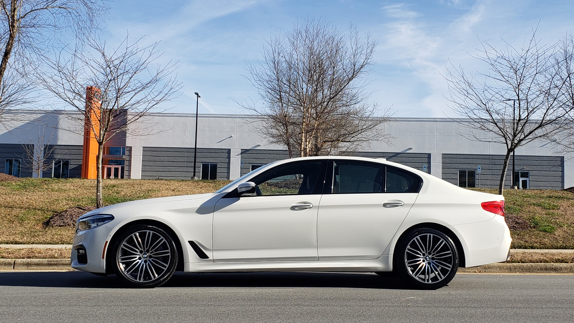 Used 2017 BMW 5 SERIES 540I PREMIUM / M-SPORT / PDC / APPLE CAR PLAY / WIFI for sale Sold at Formula Imports in Charlotte NC 28227 6