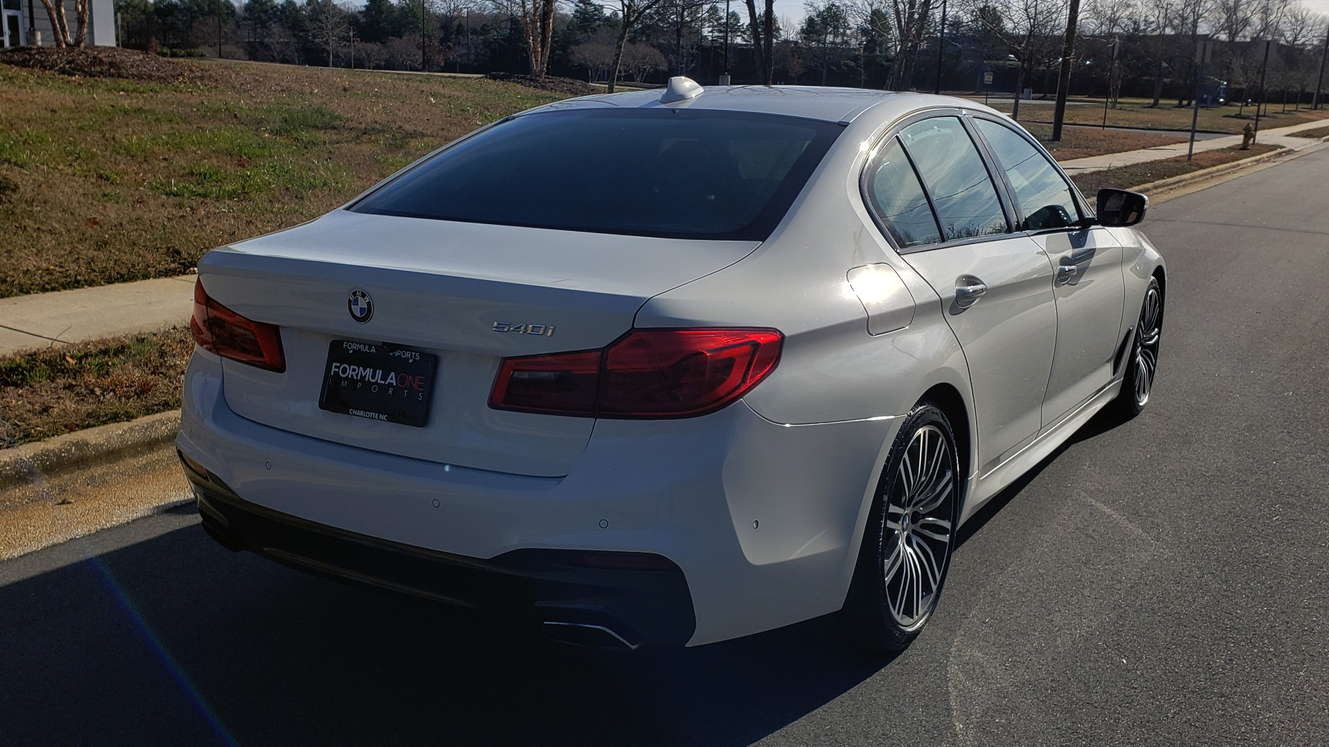 Used 2017 BMW 5 SERIES 540I PREMIUM / M-SPORT / PDC / APPLE CAR PLAY / WIFI for sale Sold at Formula Imports in Charlotte NC 28227 9
