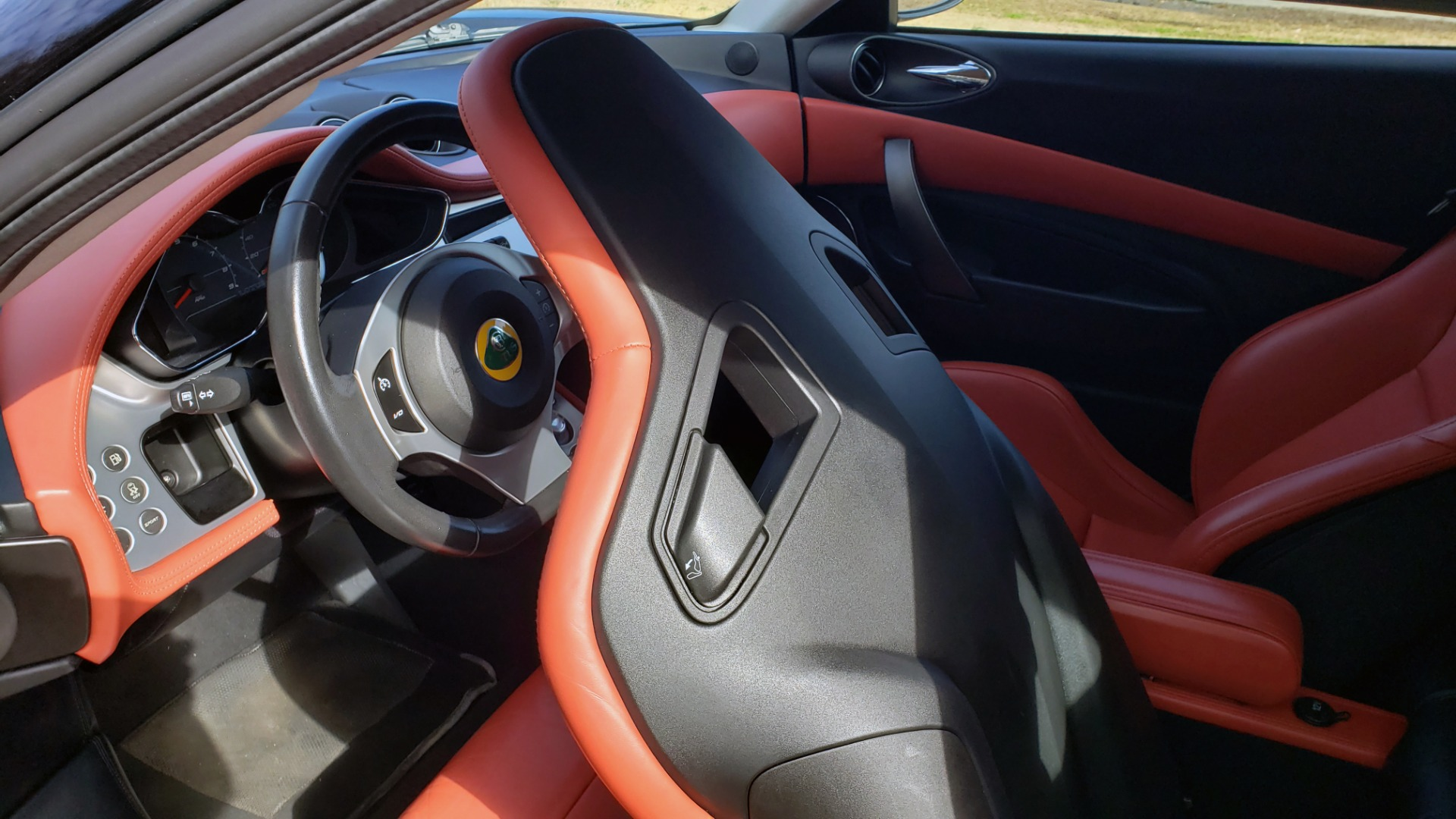 Used 2011 Lotus EVORA S 2+2 / 3.5L V6 / 6-SPD MANUAL / PIONEER / REARVIEW / LOW MILES for sale Sold at Formula Imports in Charlotte NC 28227 31