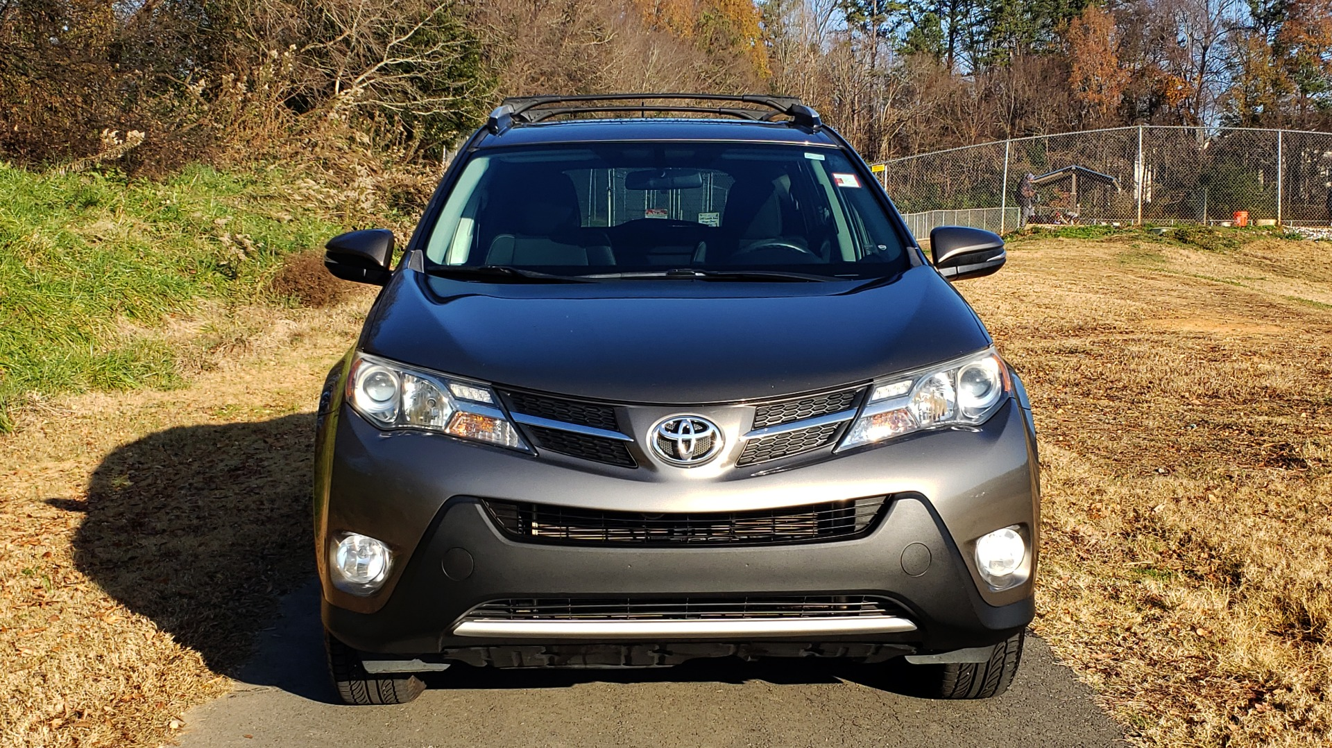 Used 2014 Toyota RAV4 XLE / FWD / 2.5L 4-CYL / 6-SPD AUTO / 17IN ALLOY / REARVIEW for sale $13,695 at Formula Imports in Charlotte NC 28227 14