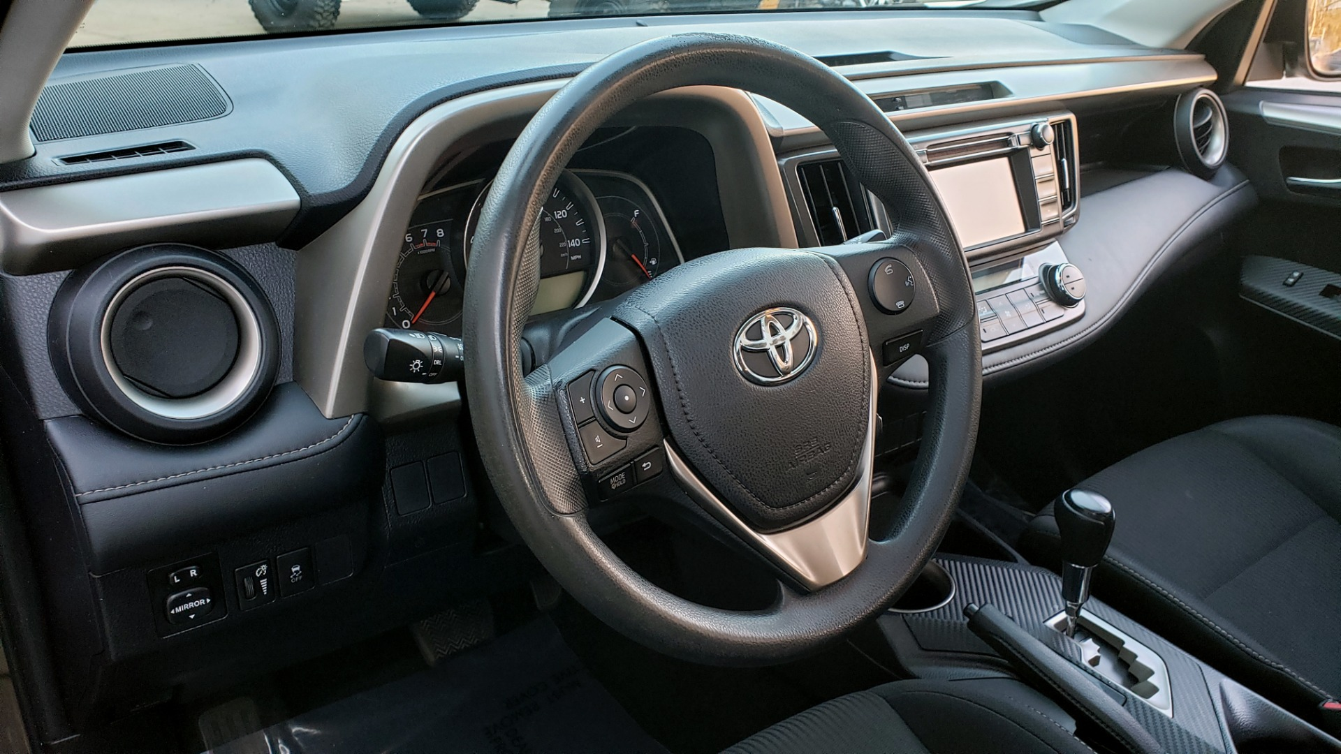 Used 2014 Toyota RAV4 XLE / FWD / 2.5L 4-CYL / 6-SPD AUTO / 17IN ALLOY / REARVIEW for sale $13,695 at Formula Imports in Charlotte NC 28227 67
