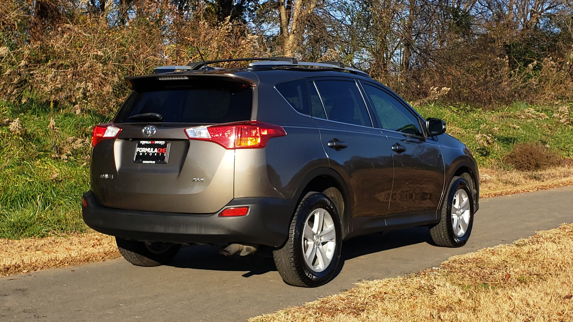Used 2014 Toyota RAV4 XLE / FWD / 2.5L 4-CYL / 6-SPD AUTO / 17IN ALLOY / REARVIEW for sale $13,695 at Formula Imports in Charlotte NC 28227 8