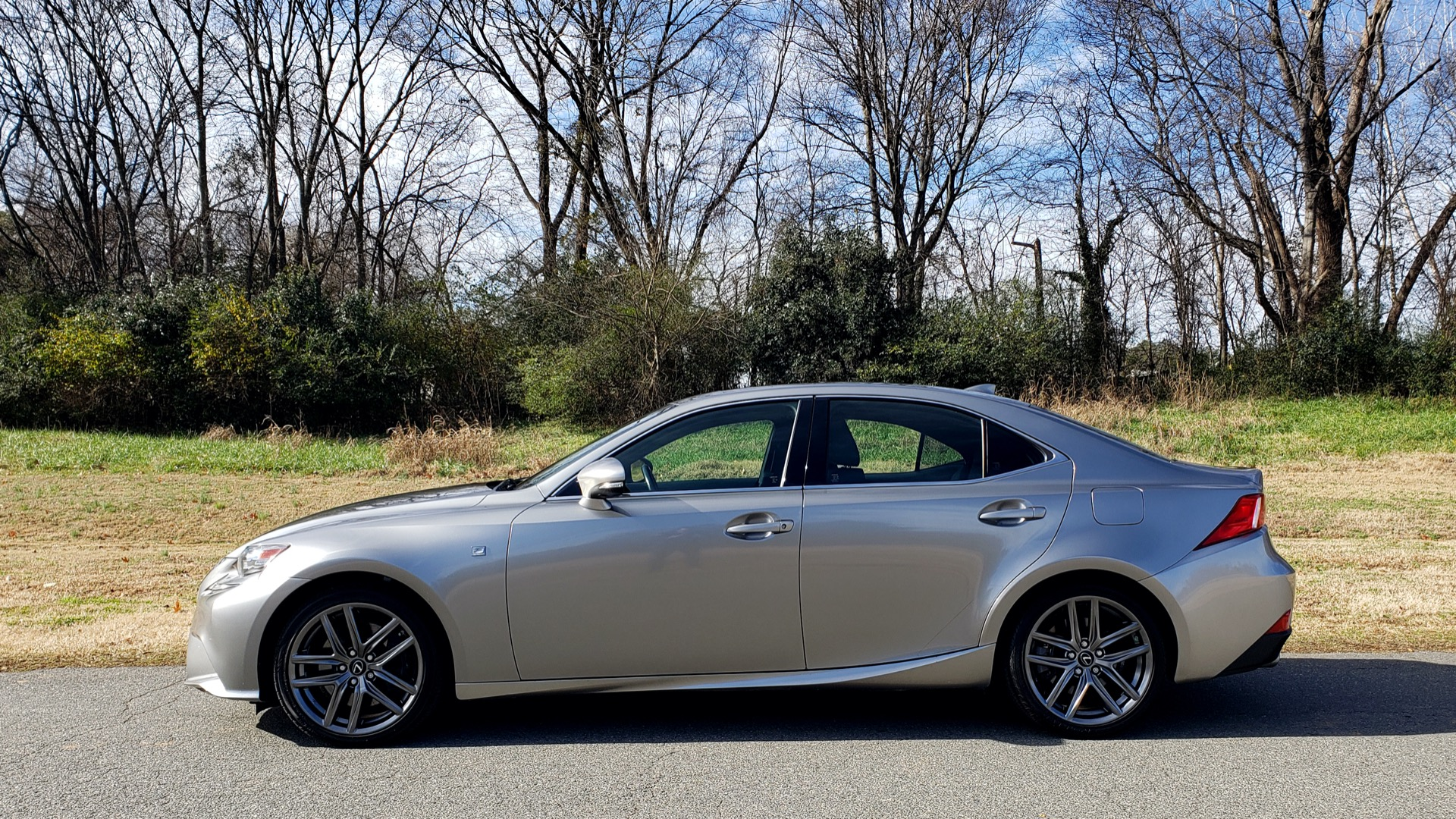 Used 2016 Lexus IS 200t F-SPORT / SUNROOF / NAV / BSM / DYNAMIC RADAR CRUISE for sale Sold at Formula Imports in Charlotte NC 28227 2