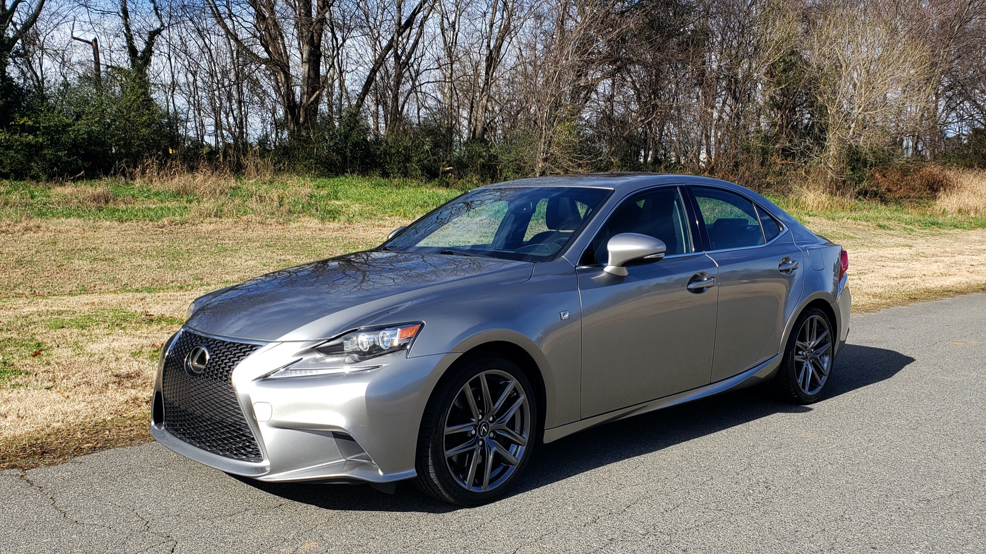 Used 2016 Lexus IS 200t F-SPORT / SUNROOF / NAV / BSM / DYNAMIC RADAR CRUISE for sale Sold at Formula Imports in Charlotte NC 28227 1