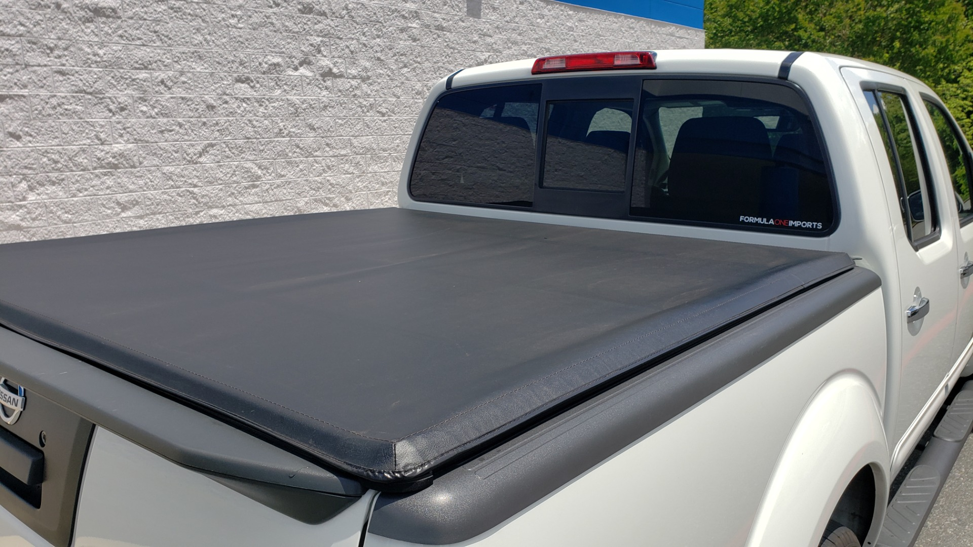 Used 2019 Nissan FRONTIER SL CREW CAB / 4X4 / NAV / SUNROOF / ROCKFORD FOSGATE / LOADED for sale $31,495 at Formula Imports in Charlotte NC 28227 16