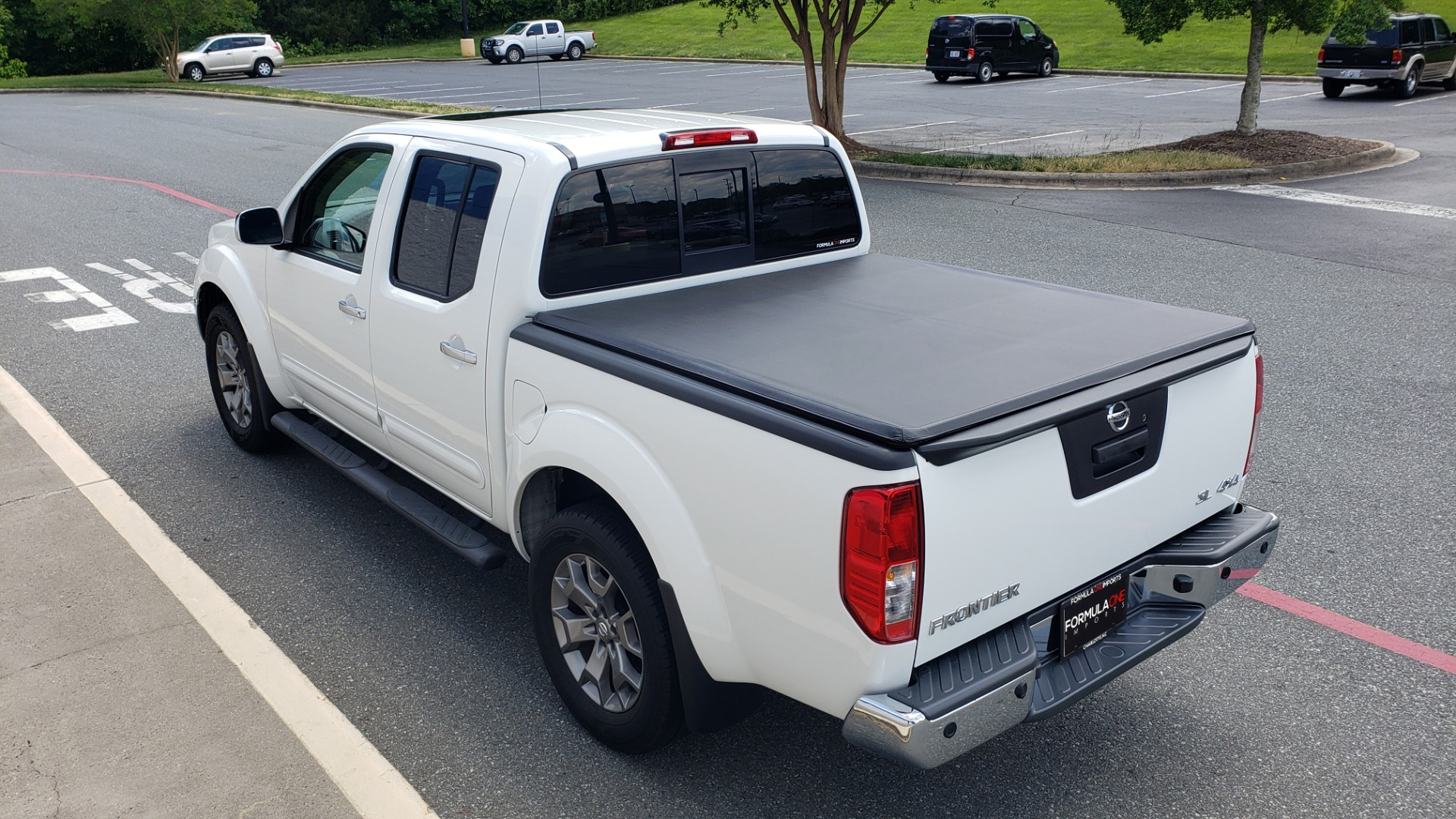 Used 2019 Nissan FRONTIER SL CREW CAB / 4X4 / NAV / SUNROOF / ROCKFORD FOSGATE / LOADED for sale $31,495 at Formula Imports in Charlotte NC 28227 17