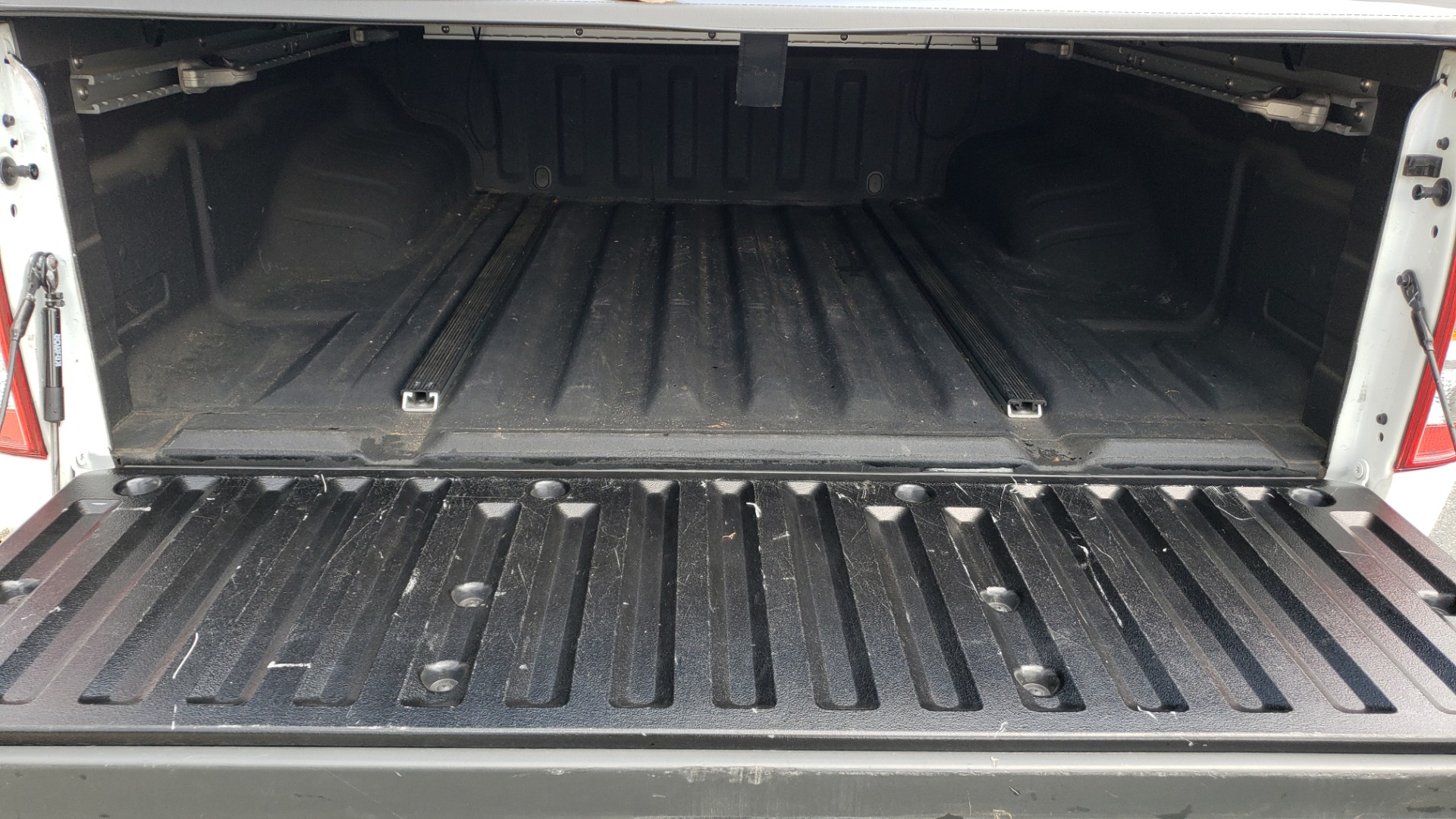 Used 2019 Nissan FRONTIER SL CREW CAB / 4X4 / NAV / SUNROOF / ROCKFORD FOSGATE / LOADED for sale $31,495 at Formula Imports in Charlotte NC 28227 18