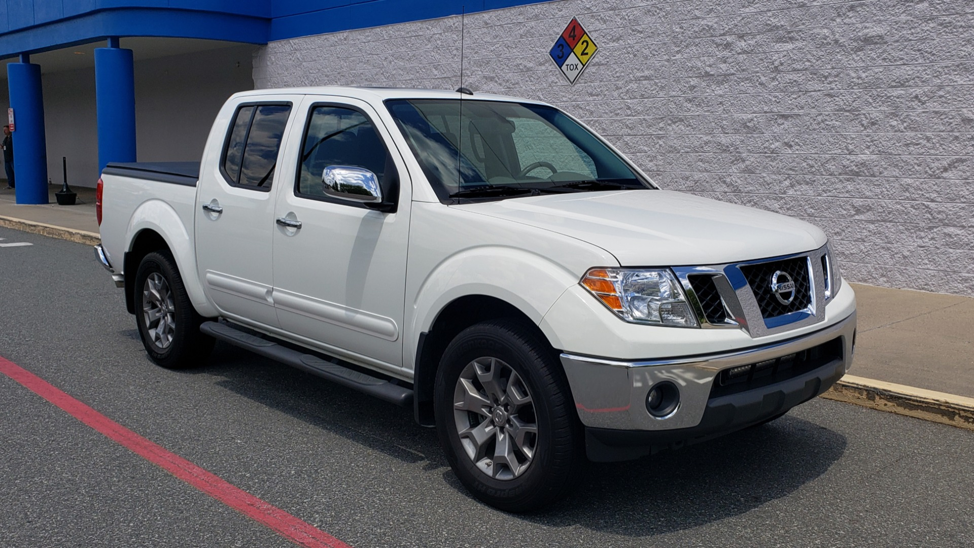 Used 2019 Nissan FRONTIER SL CREW CAB / 4X4 / NAV / SUNROOF / ROCKFORD FOSGATE / LOADED for sale $31,495 at Formula Imports in Charlotte NC 28227 2