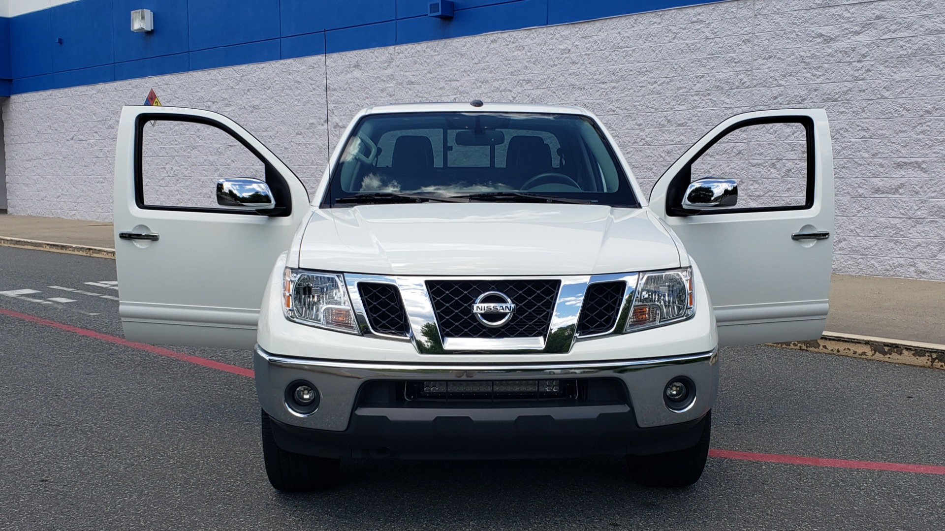 Used 2019 Nissan FRONTIER SL CREW CAB / 4X4 / NAV / SUNROOF / ROCKFORD FOSGATE / LOADED for sale $31,495 at Formula Imports in Charlotte NC 28227 20