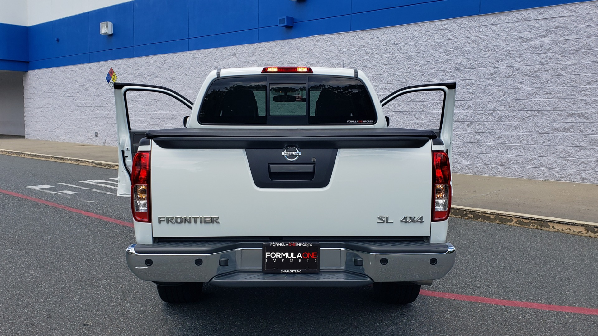 Used 2019 Nissan FRONTIER SL CREW CAB / 4X4 / NAV / SUNROOF / ROCKFORD FOSGATE / LOADED for sale $31,495 at Formula Imports in Charlotte NC 28227 28