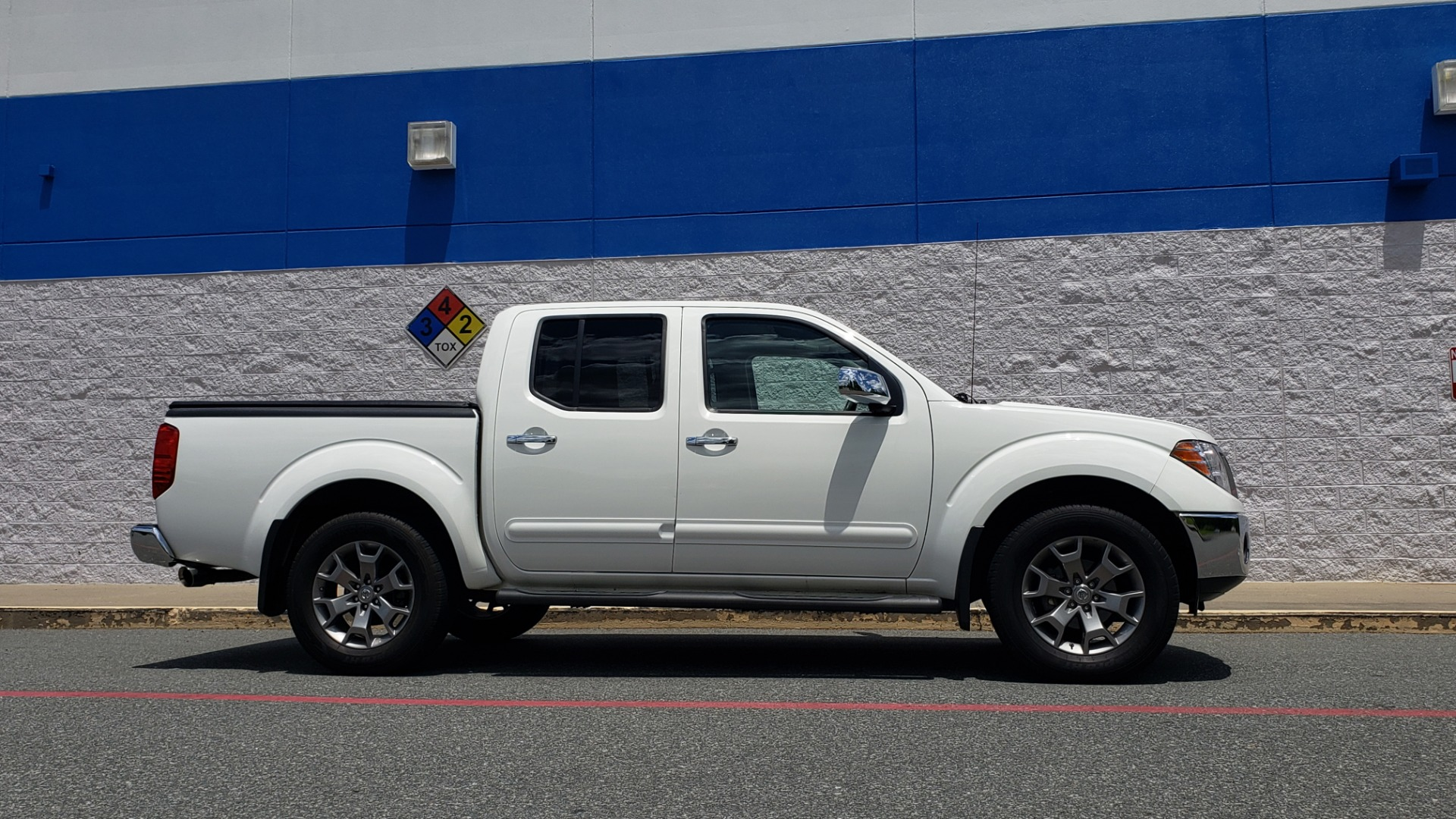 Used 2019 Nissan FRONTIER SL CREW CAB / 4X4 / NAV / SUNROOF / ROCKFORD FOSGATE / LOADED for sale $31,495 at Formula Imports in Charlotte NC 28227 3