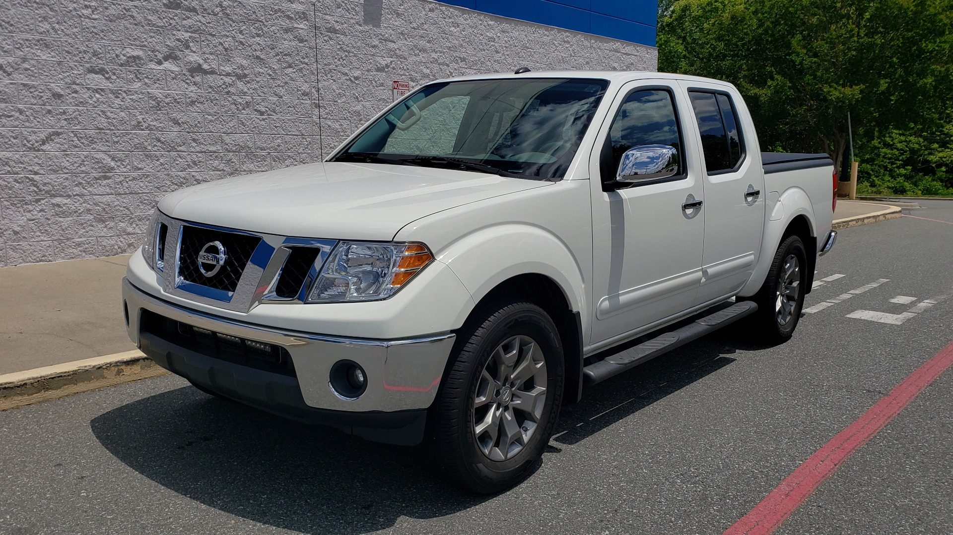 Used 2019 Nissan FRONTIER SL CREW CAB / 4X4 / NAV / SUNROOF / ROCKFORD FOSGATE / LOADED for sale $31,495 at Formula Imports in Charlotte NC 28227 5