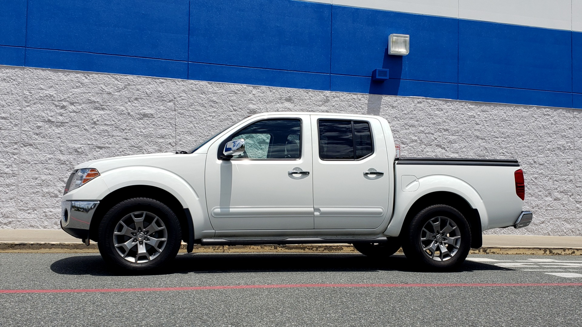 Used 2019 Nissan FRONTIER SL CREW CAB / 4X4 / NAV / SUNROOF / ROCKFORD FOSGATE / LOADED for sale $31,495 at Formula Imports in Charlotte NC 28227 6