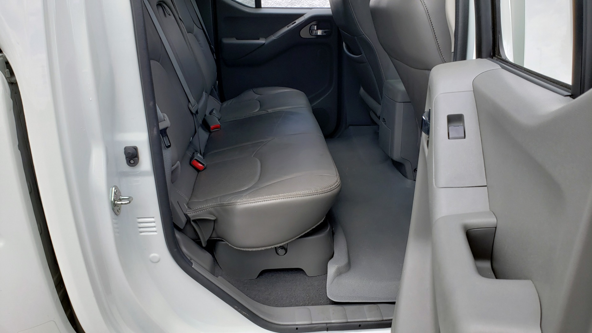Used 2019 Nissan FRONTIER SL CREW CAB / 4X4 / NAV / SUNROOF / ROCKFORD FOSGATE / LOADED for sale $31,495 at Formula Imports in Charlotte NC 28227 65