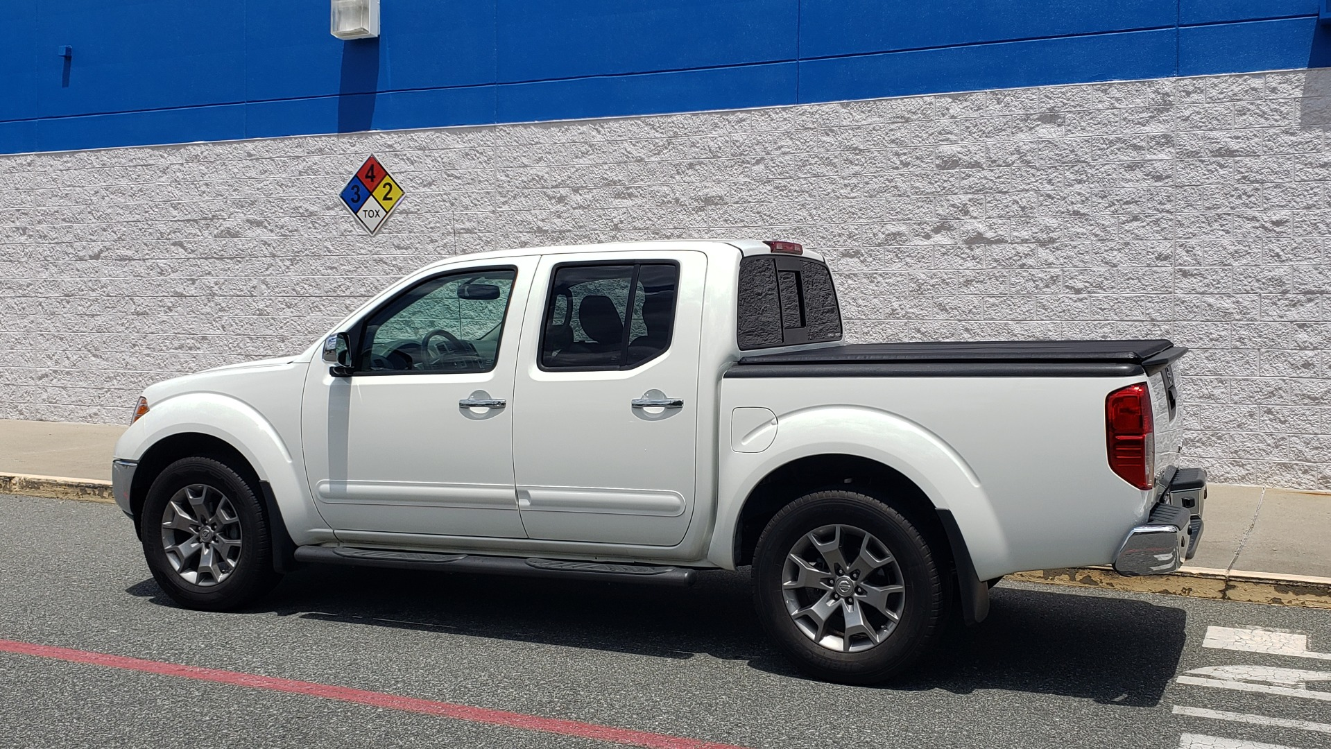 Used 2019 Nissan FRONTIER SL CREW CAB / 4X4 / NAV / SUNROOF / ROCKFORD FOSGATE / LOADED for sale $31,495 at Formula Imports in Charlotte NC 28227 7