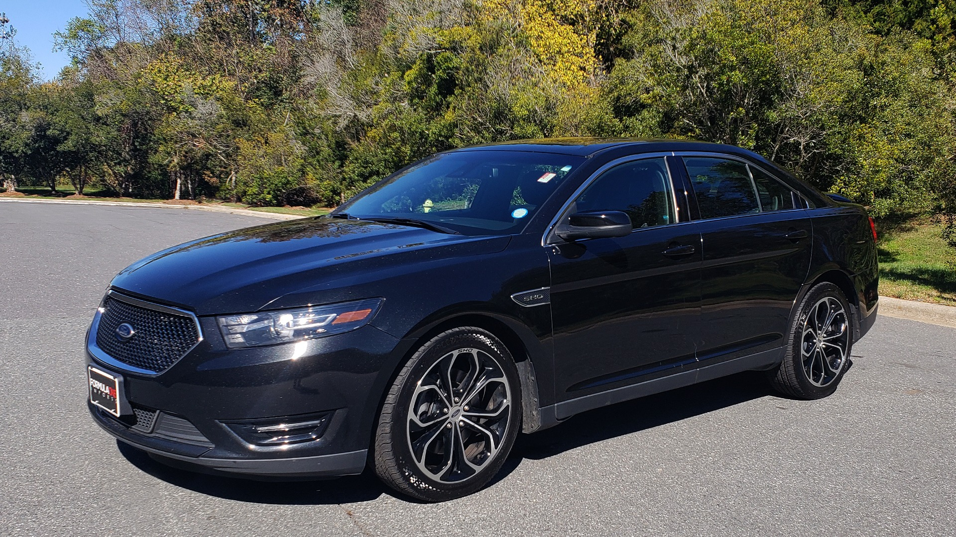 Used 2015 Ford TAURUS SHO 3.5L ECOBOOST V6 / NAV / SUNROOF / HTD STS / BSM / REARVIEW for sale Sold at Formula Imports in Charlotte NC 28227 2