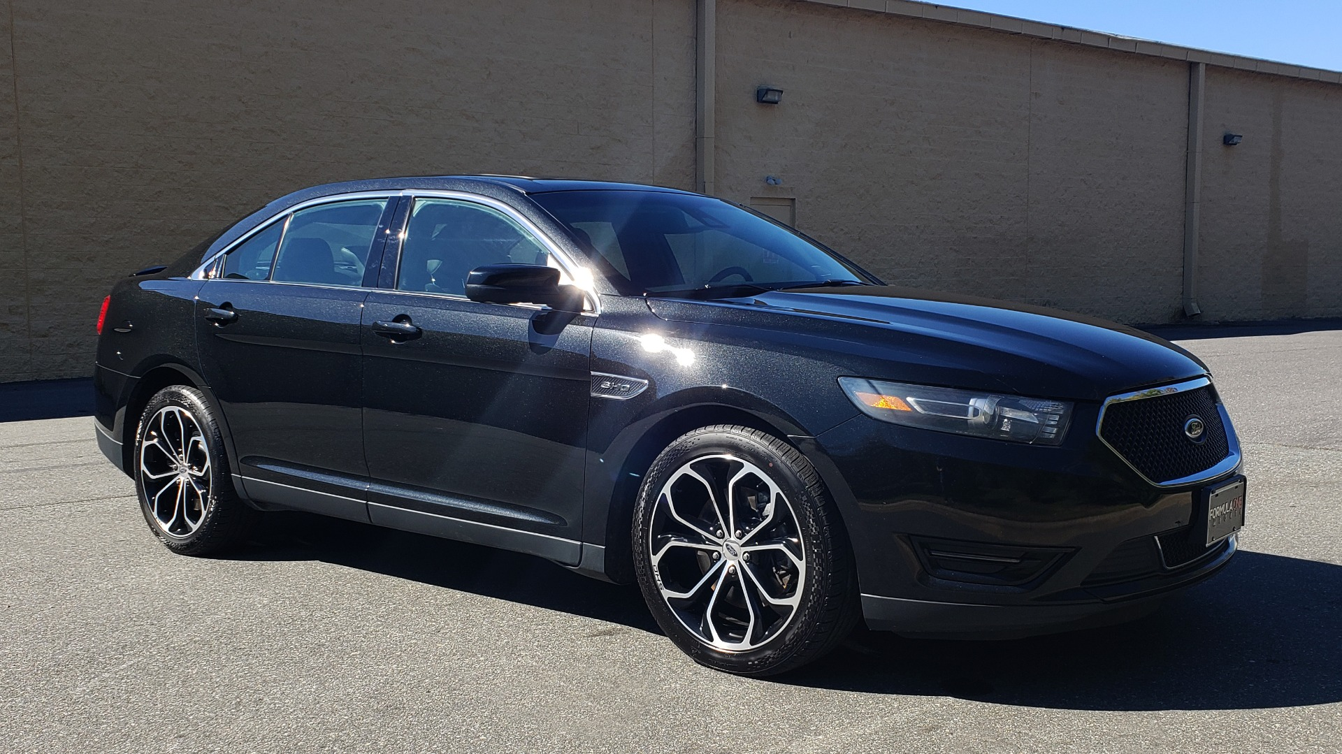 Used 2015 Ford TAURUS SHO 3.5L ECOBOOST V6 / NAV / SUNROOF / HTD STS / BSM / REARVIEW for sale Sold at Formula Imports in Charlotte NC 28227 5