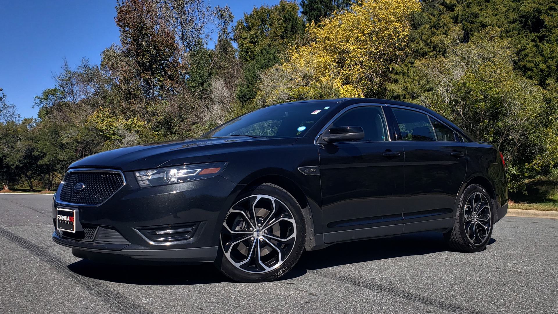 Used 2015 Ford TAURUS SHO 3.5L ECOBOOST V6 / NAV / SUNROOF / HTD STS / BSM / REARVIEW for sale Sold at Formula Imports in Charlotte NC 28227 1