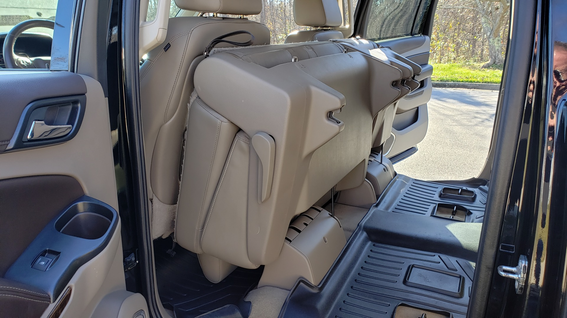 Used 2015 Chevrolet SUBURBAN LT 2WD / NAV / LEATHER / BOSE / 3-ROW / REARVIEW for sale Sold at Formula Imports in Charlotte NC 28227 20