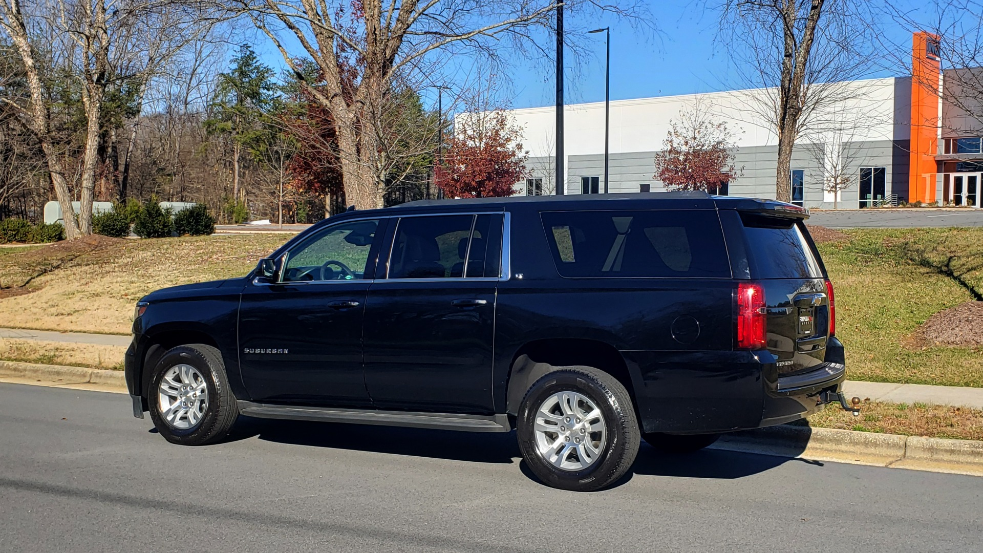 Used 2015 Chevrolet SUBURBAN LT 2WD / NAV / LEATHER / BOSE / 3-ROW / REARVIEW for sale Sold at Formula Imports in Charlotte NC 28227 3