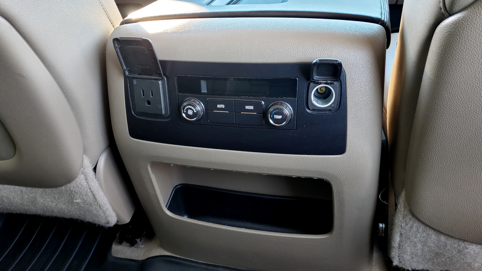 Used 2015 Chevrolet SUBURBAN LT 2WD / NAV / LEATHER / BOSE / 3-ROW / REARVIEW for sale Sold at Formula Imports in Charlotte NC 28227 81
