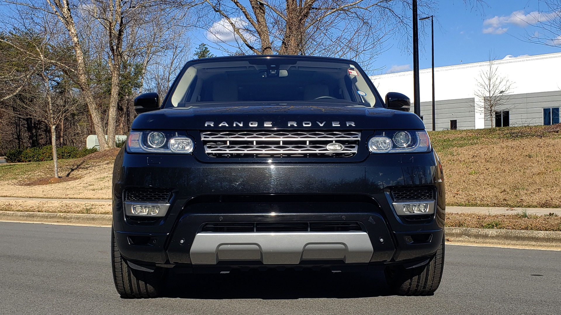 Used 2015 Land Rover RANGE ROVER HSE / 3.0L SC V6 / 8-SPD AUTO / NAV / PANO ROOF / REARVIEW for sale Sold at Formula Imports in Charlotte NC 28227 24