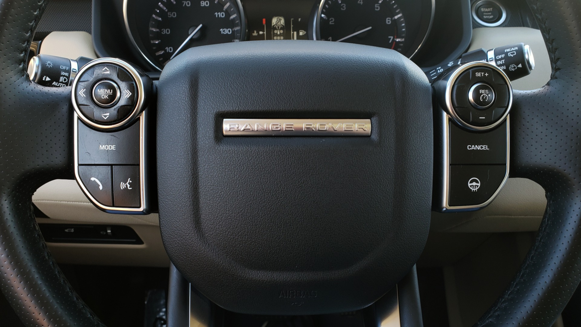 Used 2015 Land Rover RANGE ROVER HSE / 3.0L SC V6 / 8-SPD AUTO / NAV / PANO ROOF / REARVIEW for sale Sold at Formula Imports in Charlotte NC 28227 47
