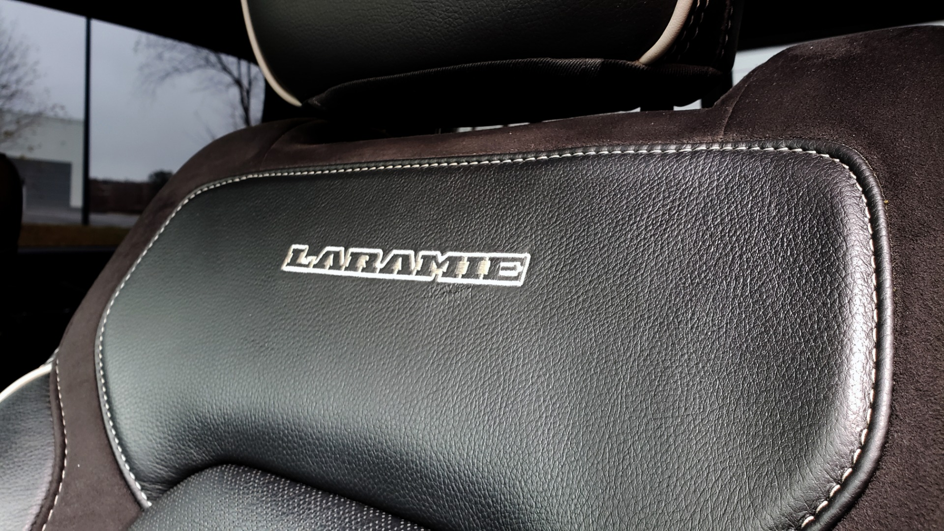 Used 2019 Ram 1500 LARAMIE SPORT / 2WD / 5.7L HEMI / NAV / BLIND SPOT / HTD STS / REARVIEW for sale Sold at Formula Imports in Charlotte NC 28227 46