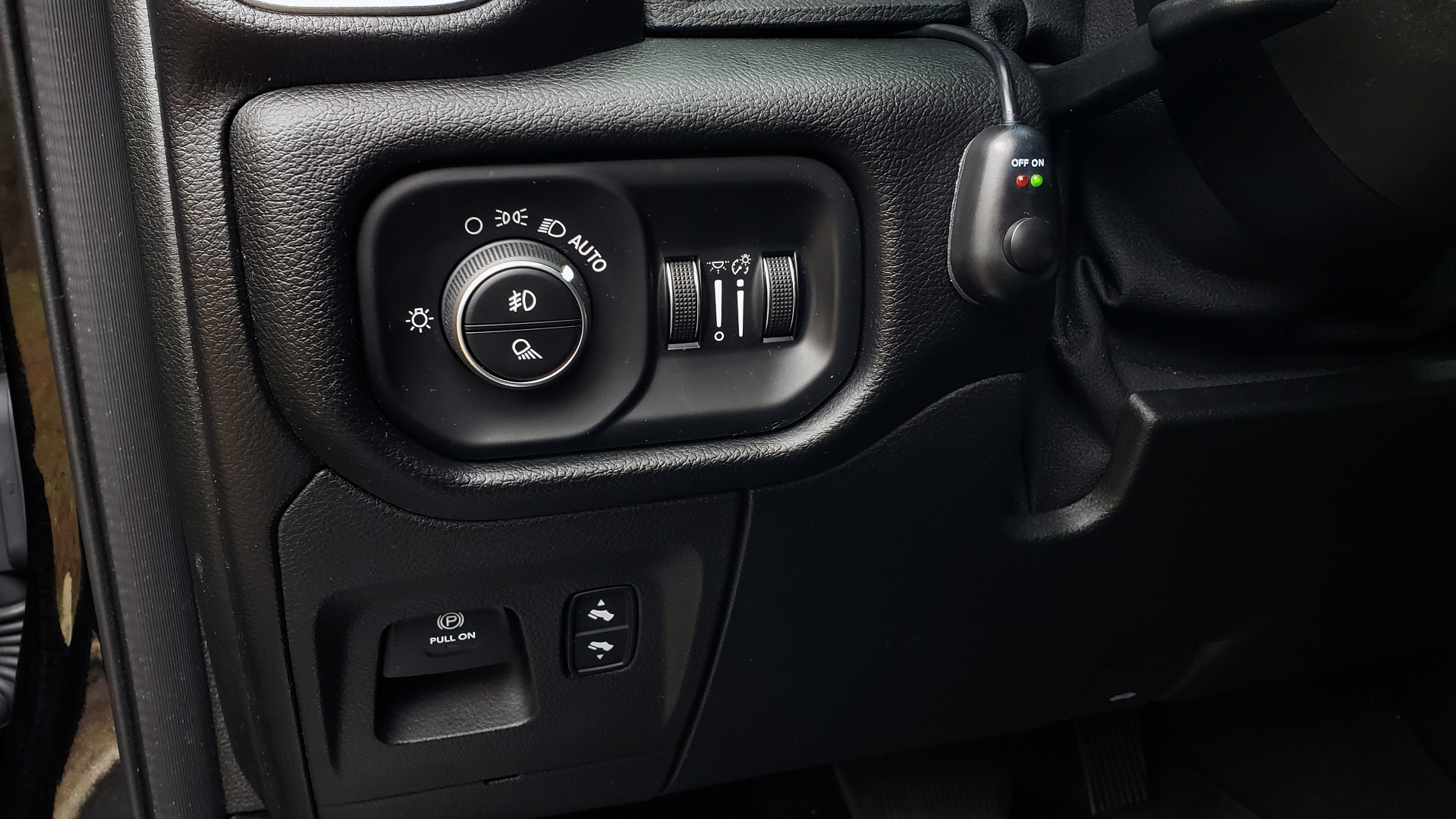 Used 2019 Ram 1500 LARAMIE SPORT / 2WD / 5.7L HEMI / NAV / BLIND SPOT / HTD STS / REARVIEW for sale Sold at Formula Imports in Charlotte NC 28227 48