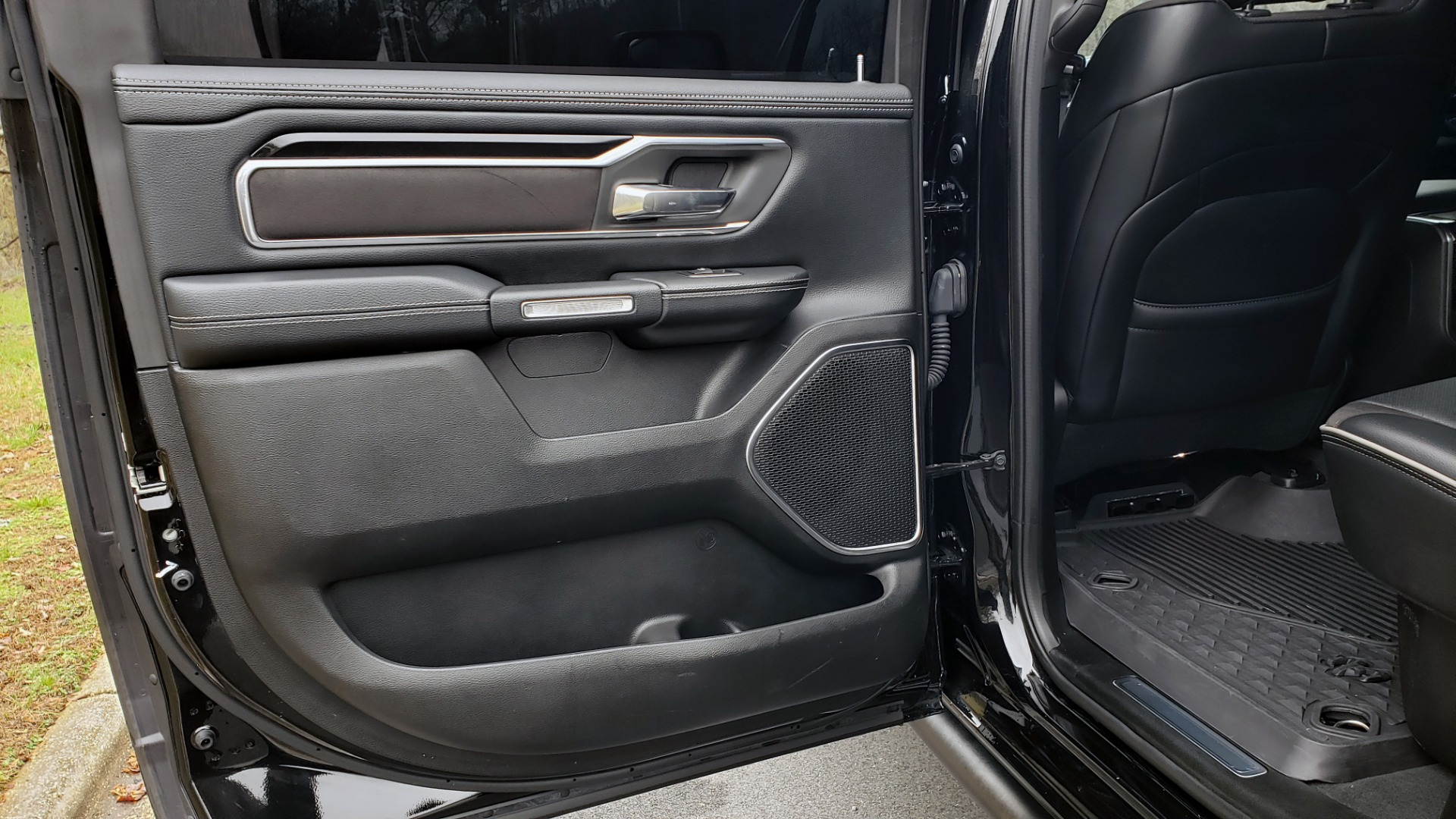 Used 2019 Ram 1500 LARAMIE SPORT / 2WD / 5.7L HEMI / NAV / BLIND SPOT / HTD STS / REARVIEW for sale Sold at Formula Imports in Charlotte NC 28227 71