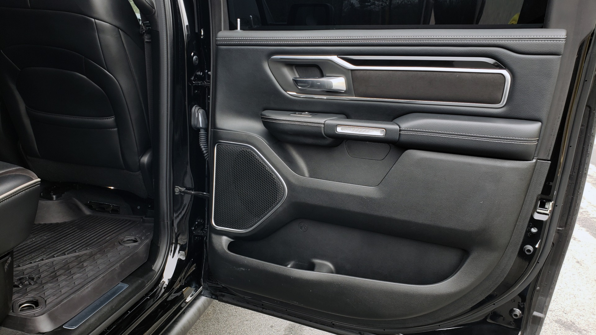 Used 2019 Ram 1500 LARAMIE SPORT / 2WD / 5.7L HEMI / NAV / BLIND SPOT / HTD STS / REARVIEW for sale Sold at Formula Imports in Charlotte NC 28227 86