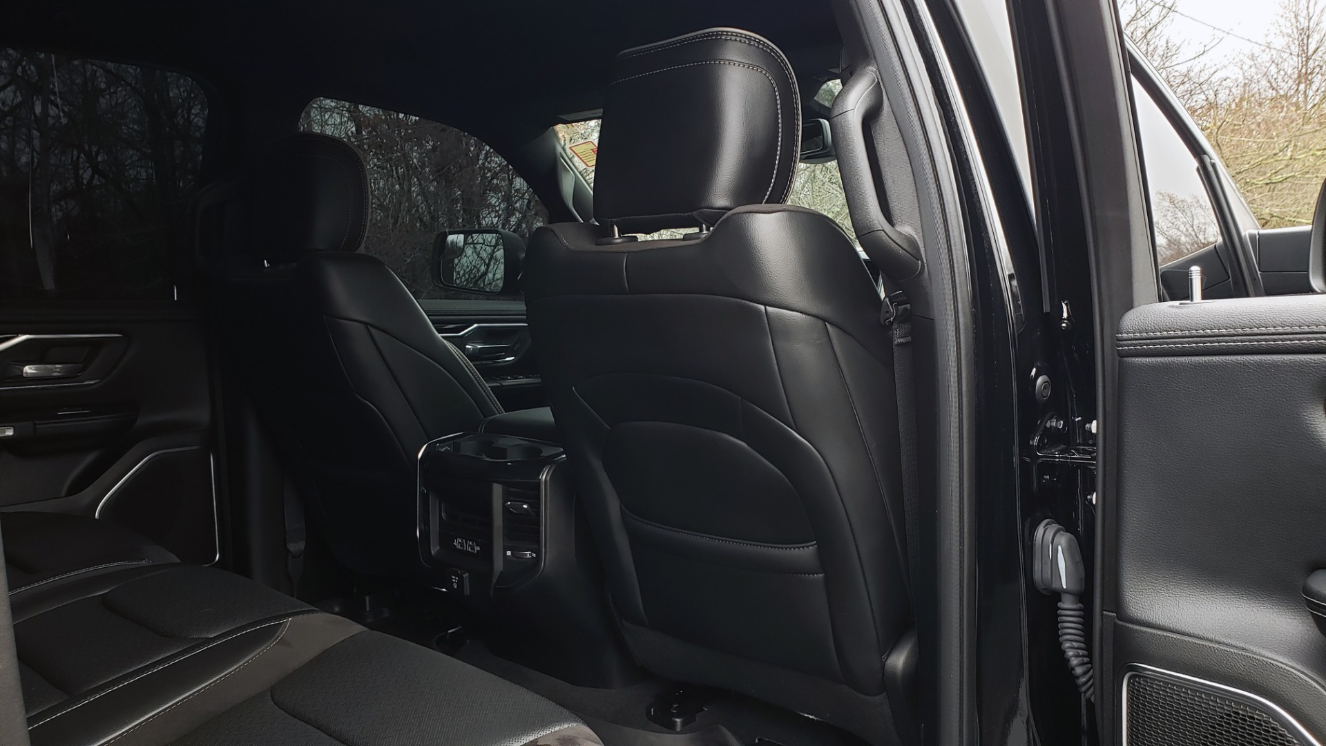 Used 2019 Ram 1500 LARAMIE SPORT / 2WD / 5.7L HEMI / NAV / BLIND SPOT / HTD STS / REARVIEW for sale Sold at Formula Imports in Charlotte NC 28227 93