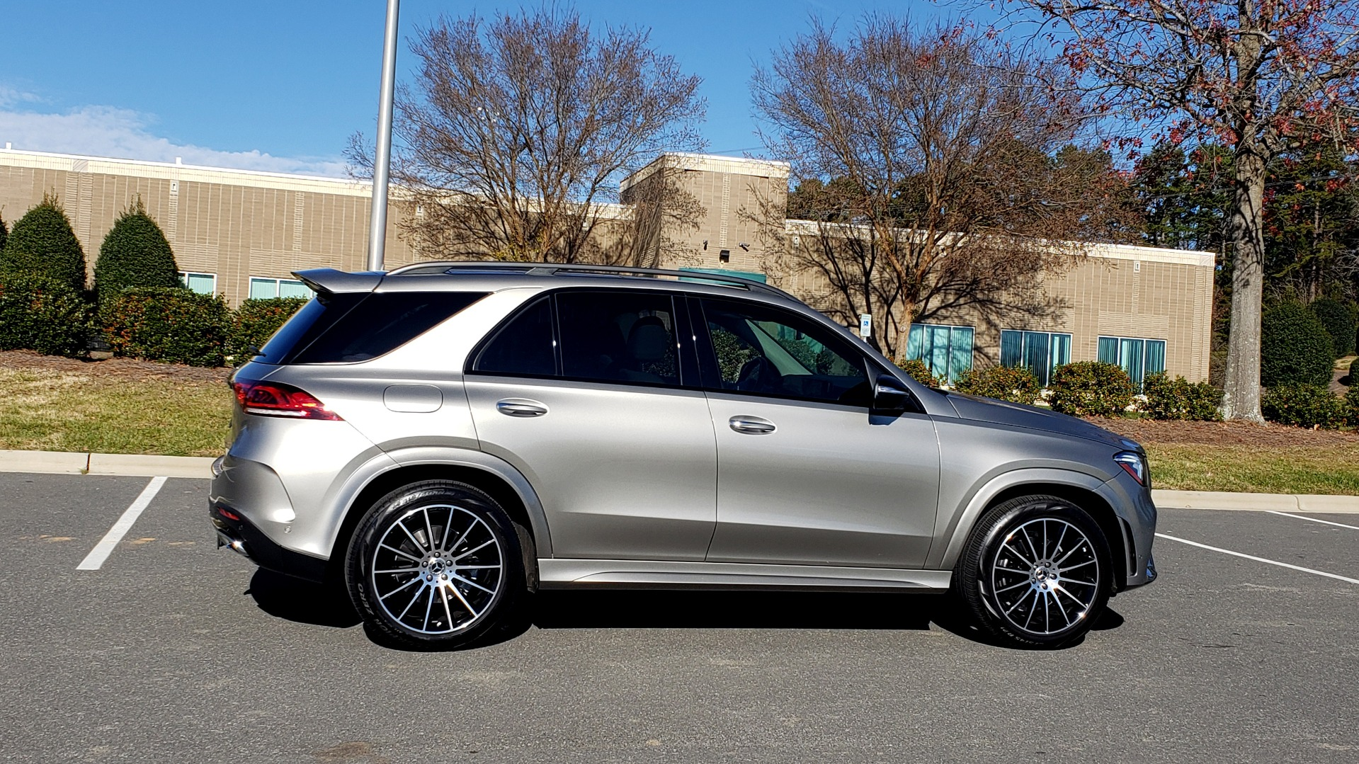 Used 2020 Mercedes-Benz GLE 350 PREMIUM / NAV / PARK ASST / NIGHT PKG / AMG LINE EXT / REARVIEW for sale Sold at Formula Imports in Charlotte NC 28227 10