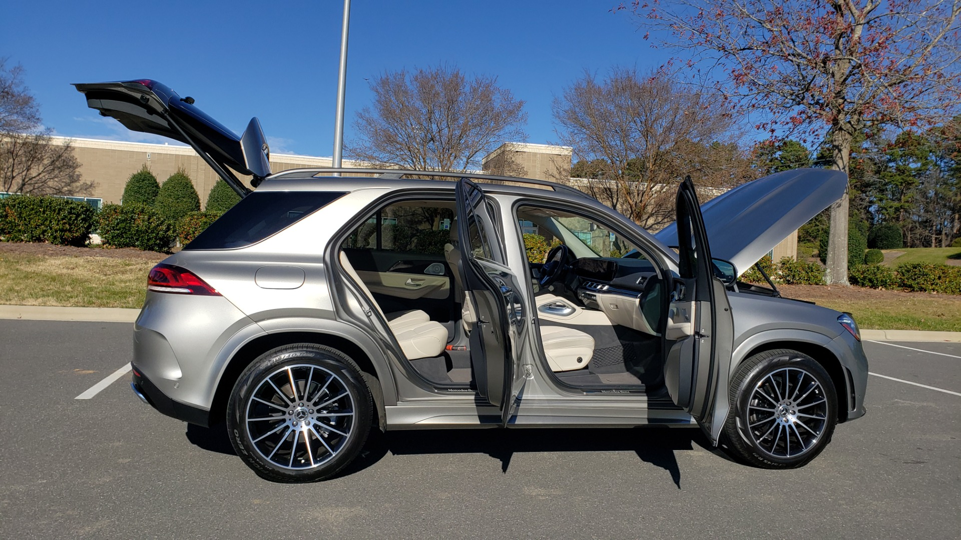 Used 2020 Mercedes-Benz GLE 350 PREMIUM / NAV / PARK ASST / NIGHT PKG / AMG LINE EXT / REARVIEW for sale Sold at Formula Imports in Charlotte NC 28227 17