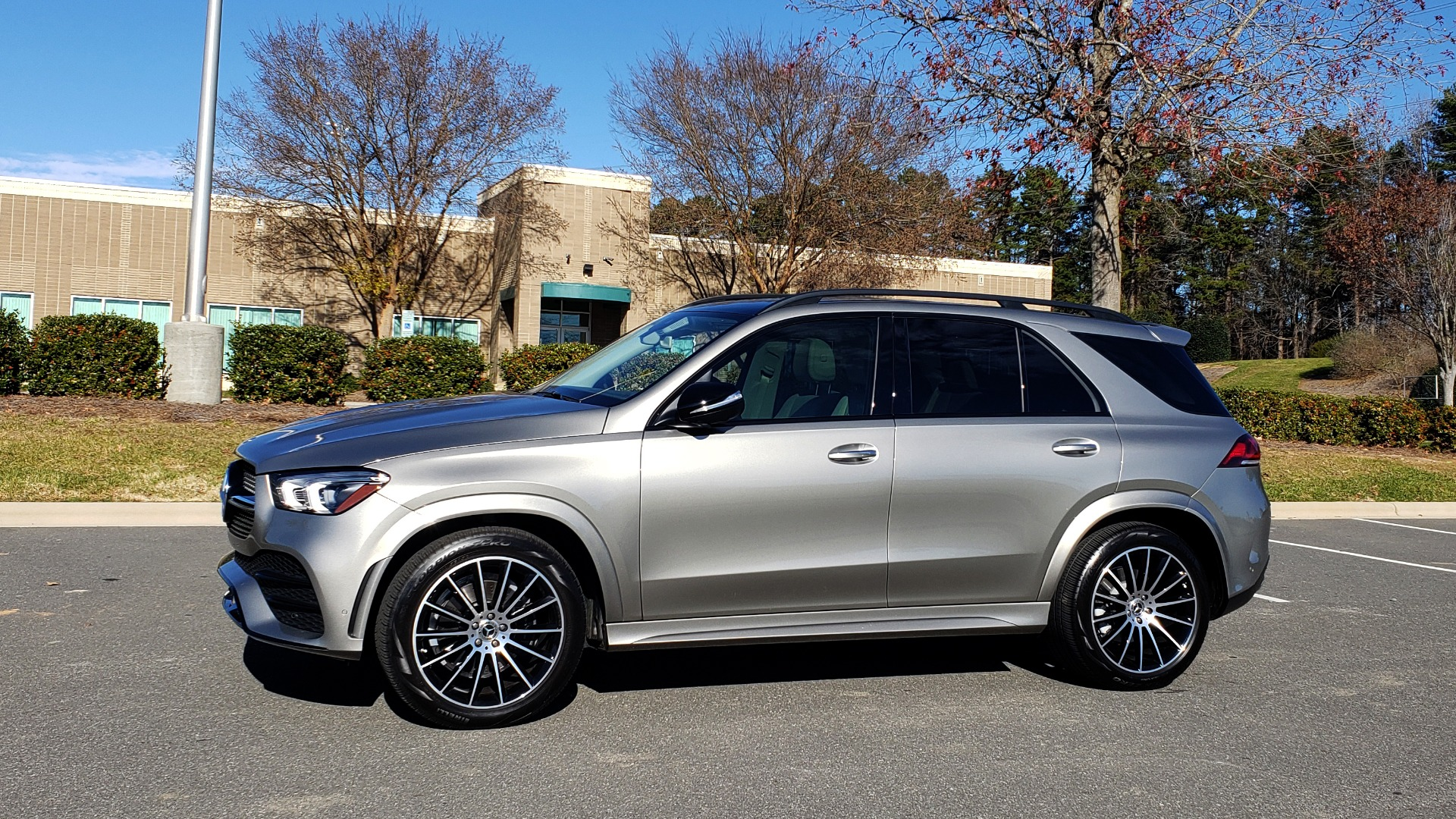 Used 2020 Mercedes-Benz GLE 350 PREMIUM / NAV / PARK ASST / NIGHT PKG / AMG LINE EXT / REARVIEW for sale Sold at Formula Imports in Charlotte NC 28227 3