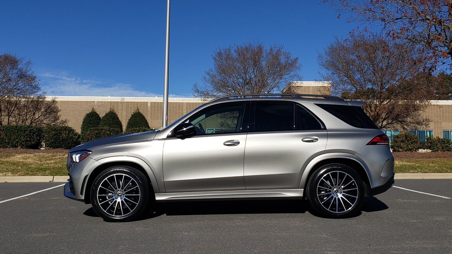 Used 2020 Mercedes-Benz GLE 350 PREMIUM / NAV / PARK ASST / NIGHT PKG / AMG LINE EXT / REARVIEW for sale Sold at Formula Imports in Charlotte NC 28227 4