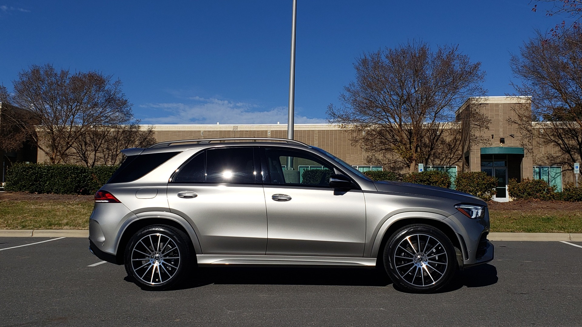 Used 2020 Mercedes-Benz GLE 350 PREMIUM / NAV / PARK ASST / NIGHT PKG / AMG LINE EXT / REARVIEW for sale Sold at Formula Imports in Charlotte NC 28227 9