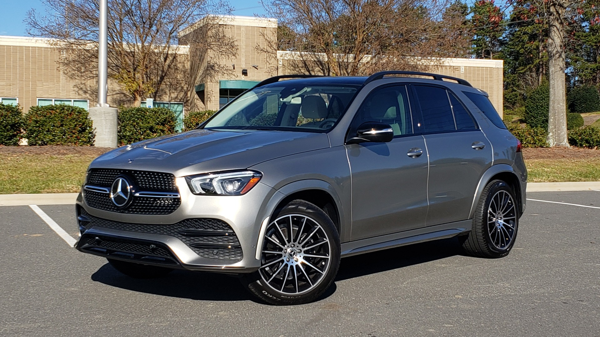 Used 2020 Mercedes-Benz GLE 350 PREMIUM / NAV / PARK ASST / NIGHT PKG / AMG LINE EXT / REARVIEW for sale Sold at Formula Imports in Charlotte NC 28227 1