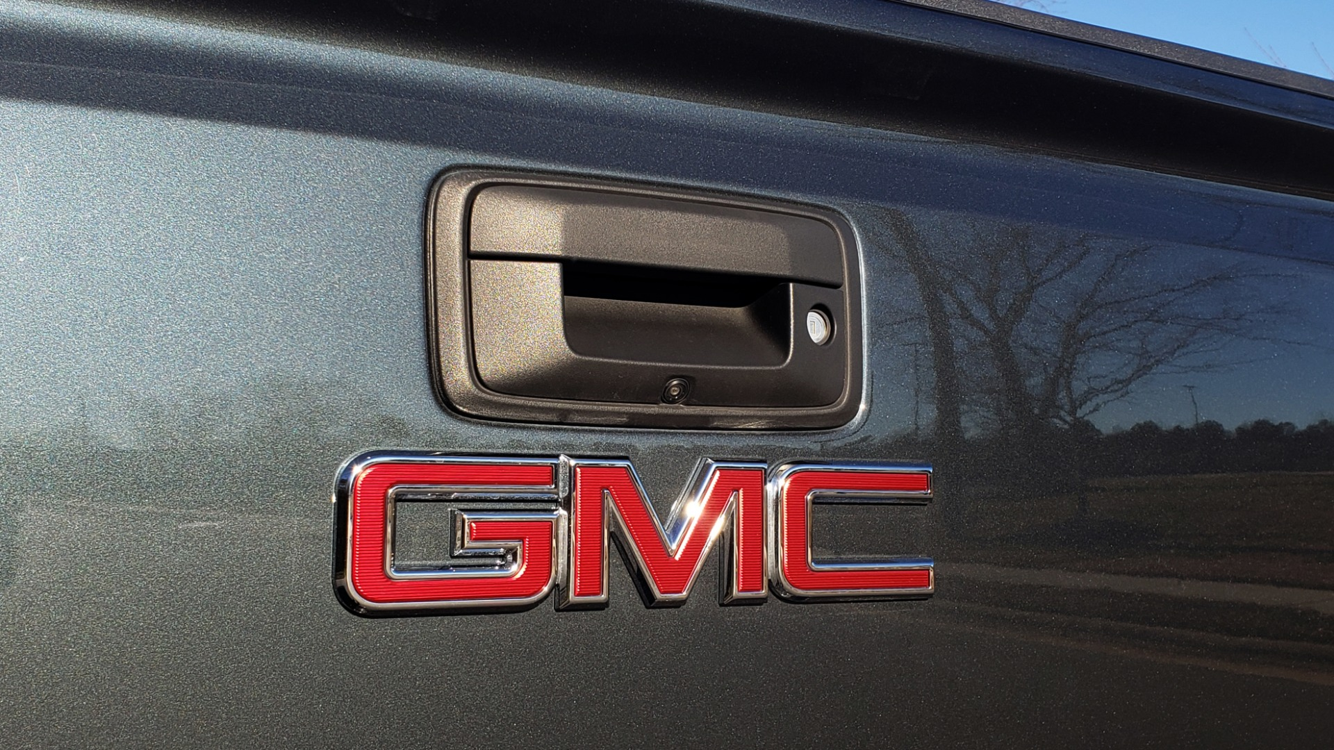 Used 2018 GMC SIERRA 3500HD DENALI 4X4 DUALLY / 6.6L DURAMAX PLUS / NAV / SUNROOF / REARVIEW for sale Sold at Formula Imports in Charlotte NC 28227 21