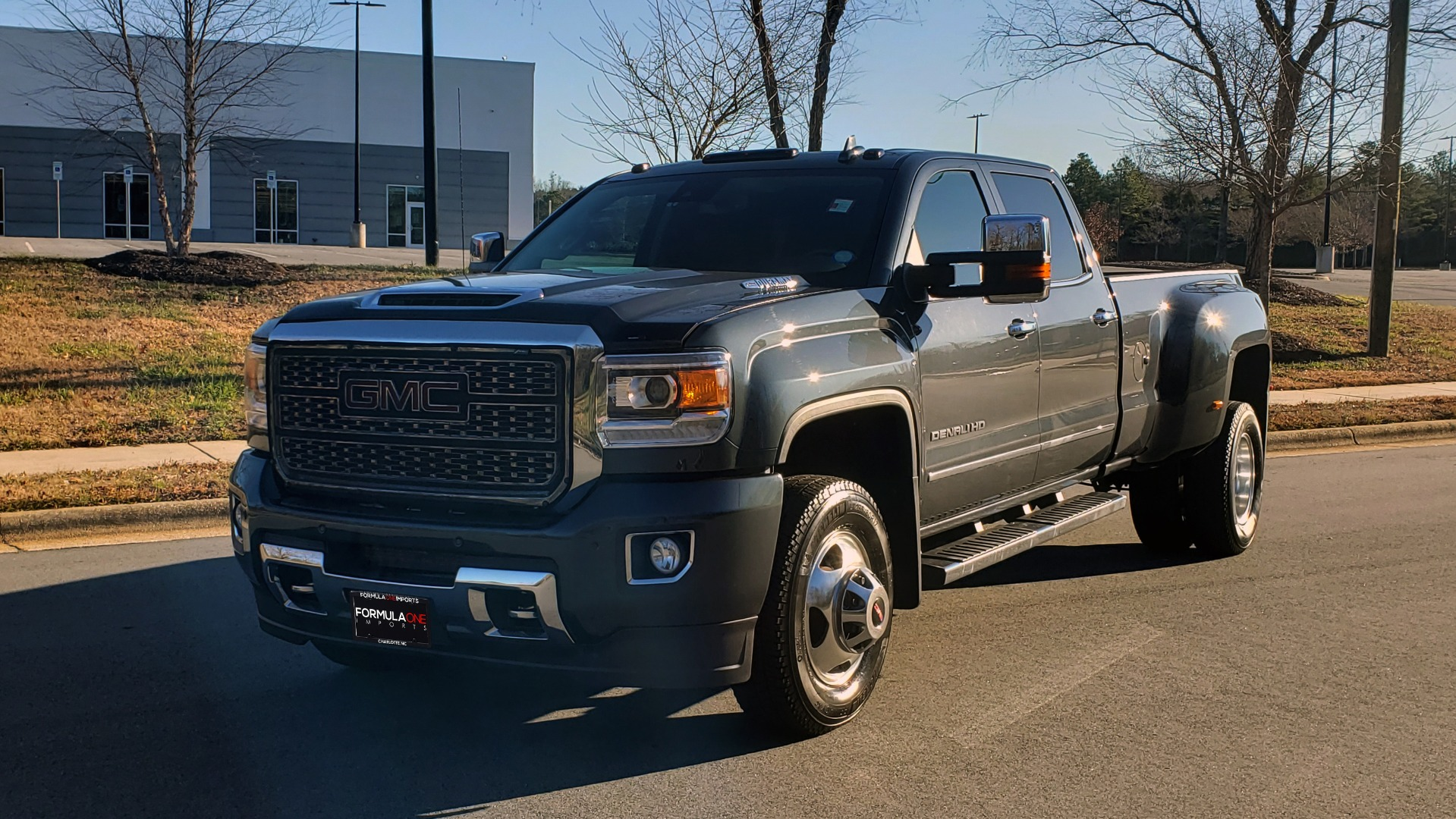 Used 2018 GMC SIERRA 3500HD DENALI 4X4 DUALLY / 6.6L DURAMAX PLUS / NAV / SUNROOF / REARVIEW for sale Sold at Formula Imports in Charlotte NC 28227 4